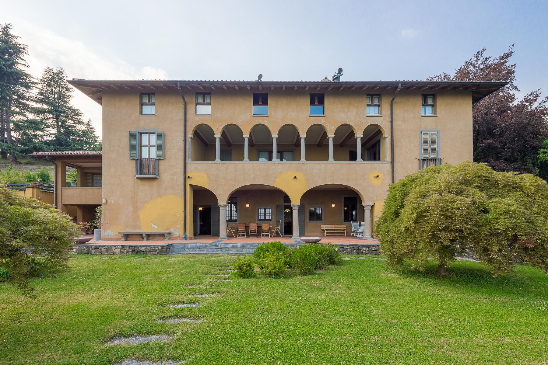 Wonderful property in the Bergamo hills - 1