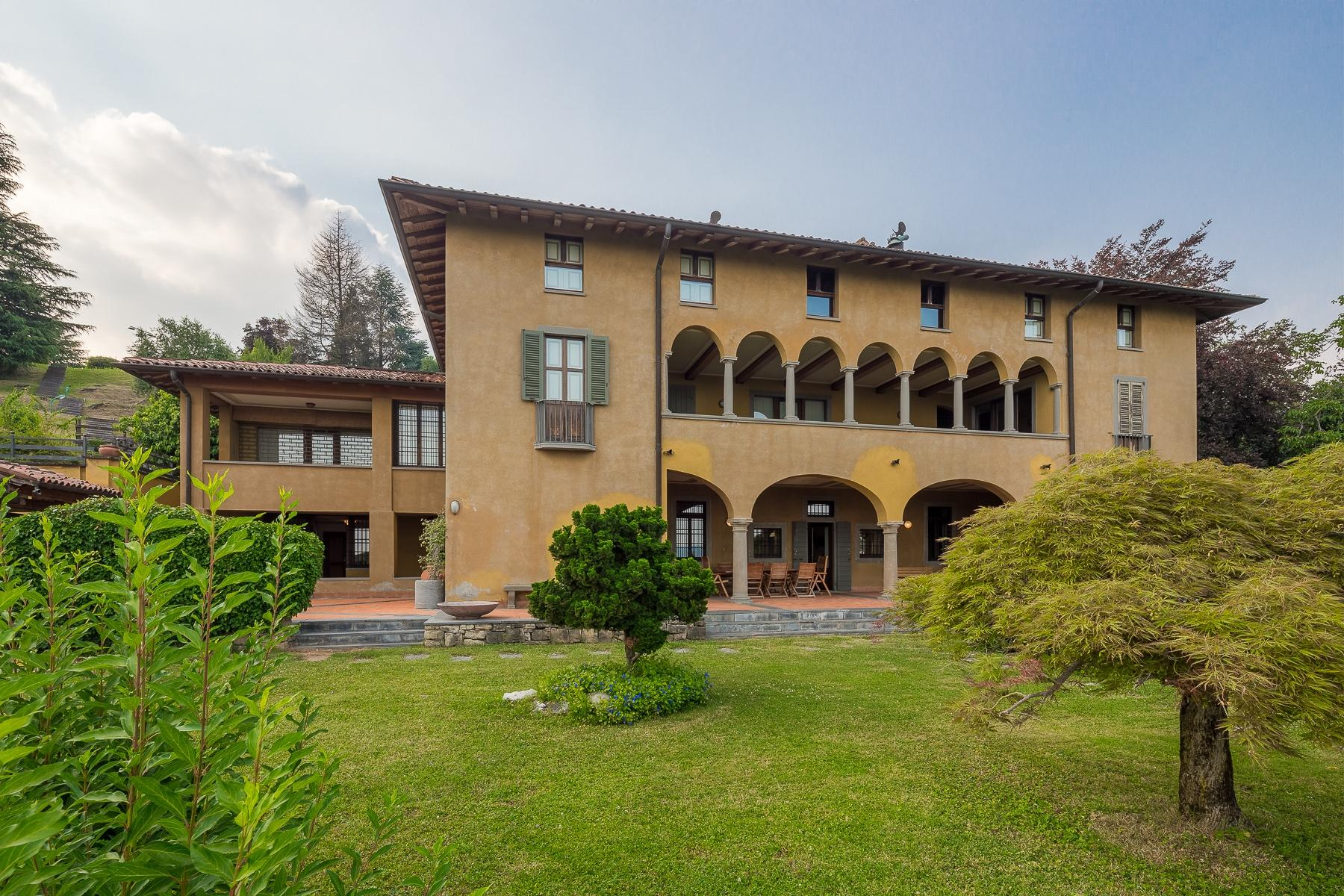 Wonderful property in the Bergamo hills - 2