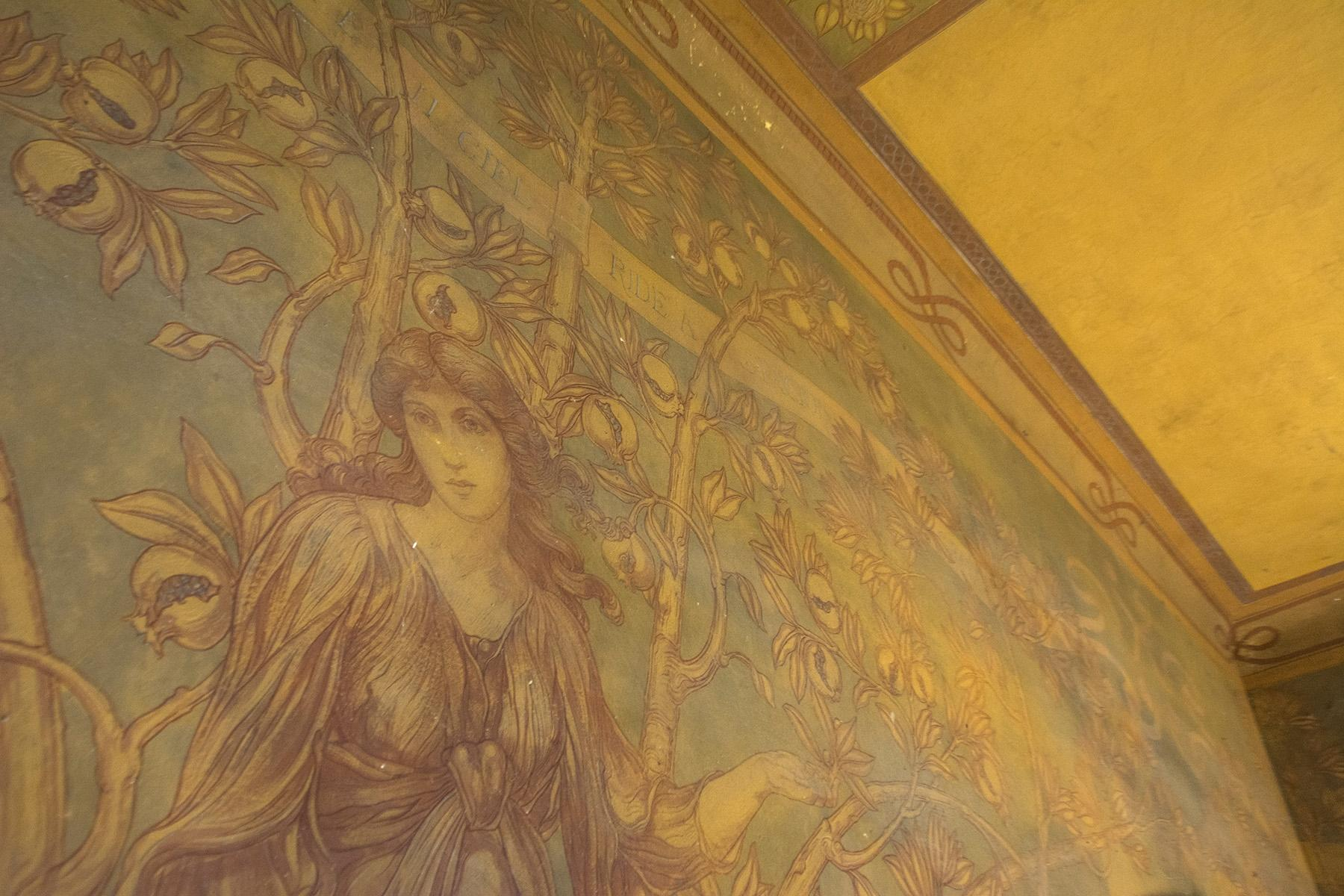 Wonderful villa needing restoration with Liberty frescoes - 7