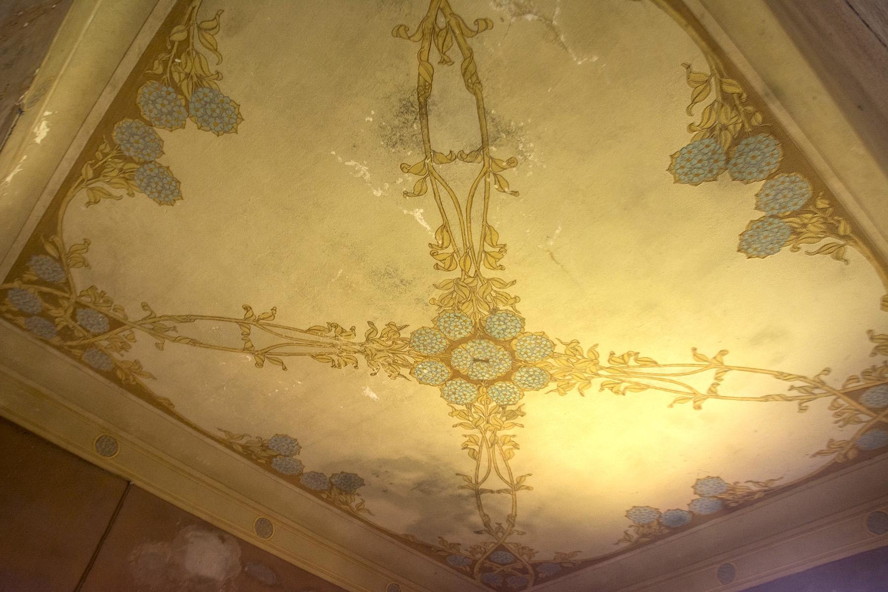 Magnifique villa à restaurer avec des fresques - 12