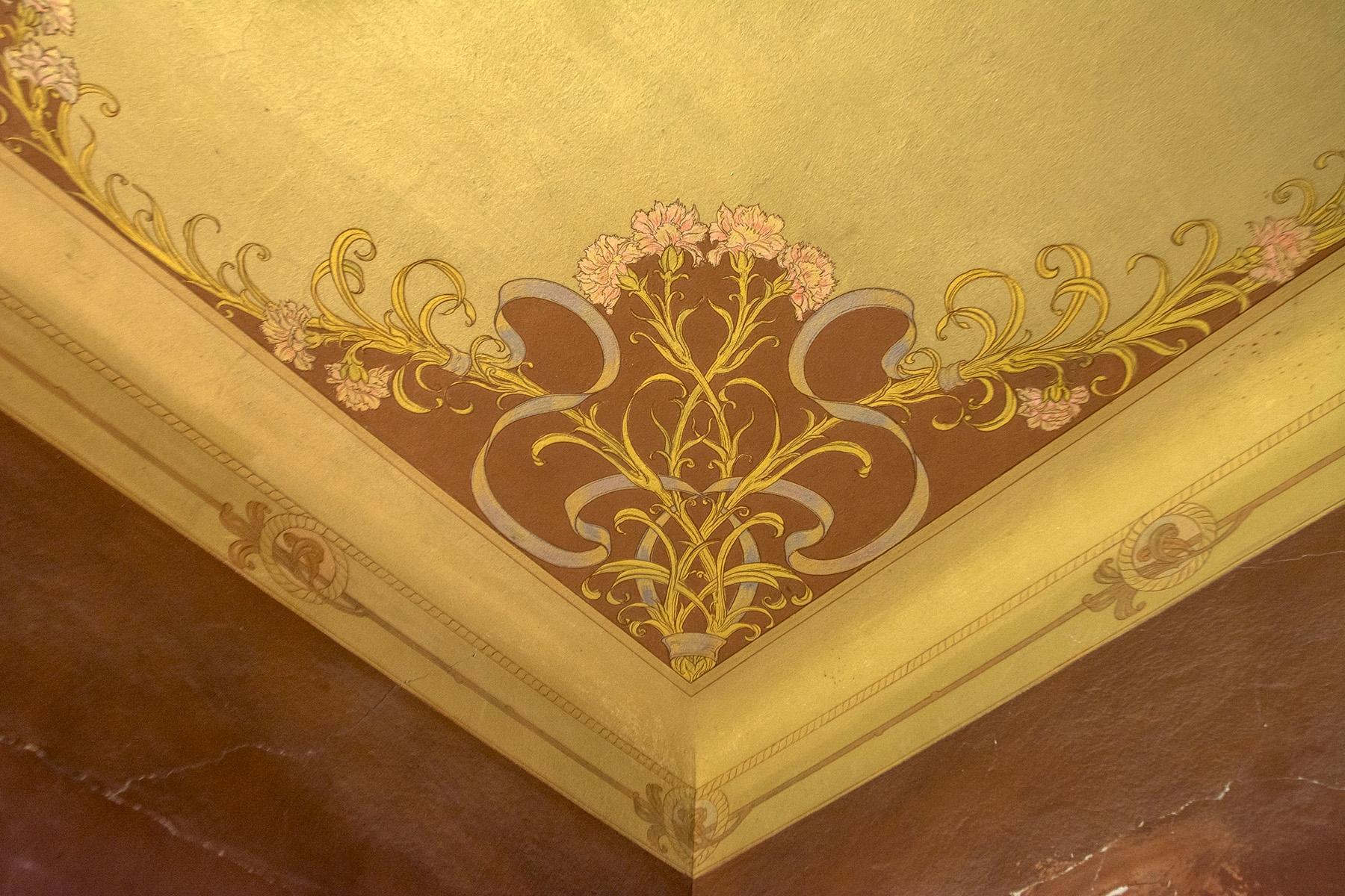 Magnifique villa à restaurer avec des fresques - 9