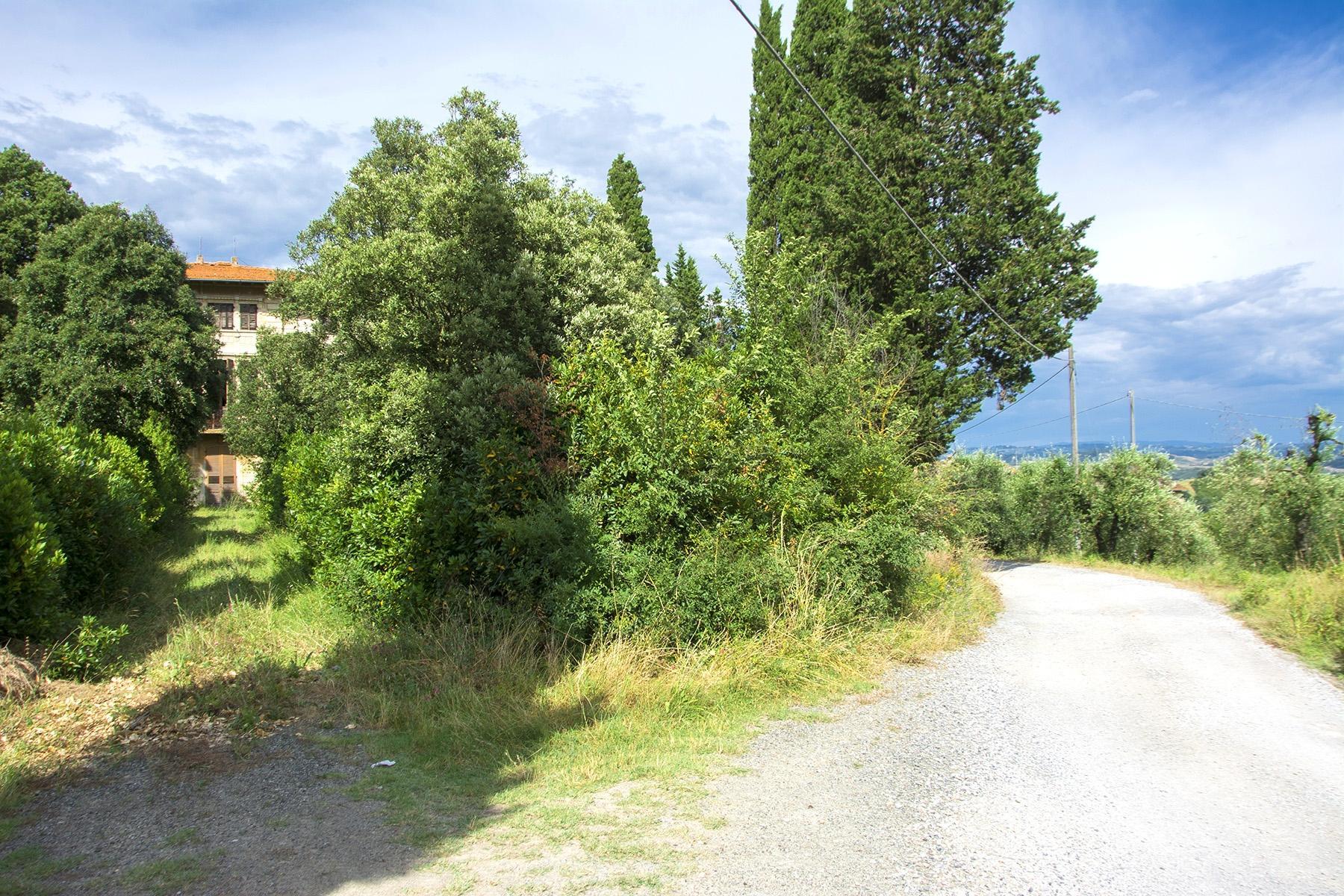 Magnifique villa à restaurer avec des fresques - 16