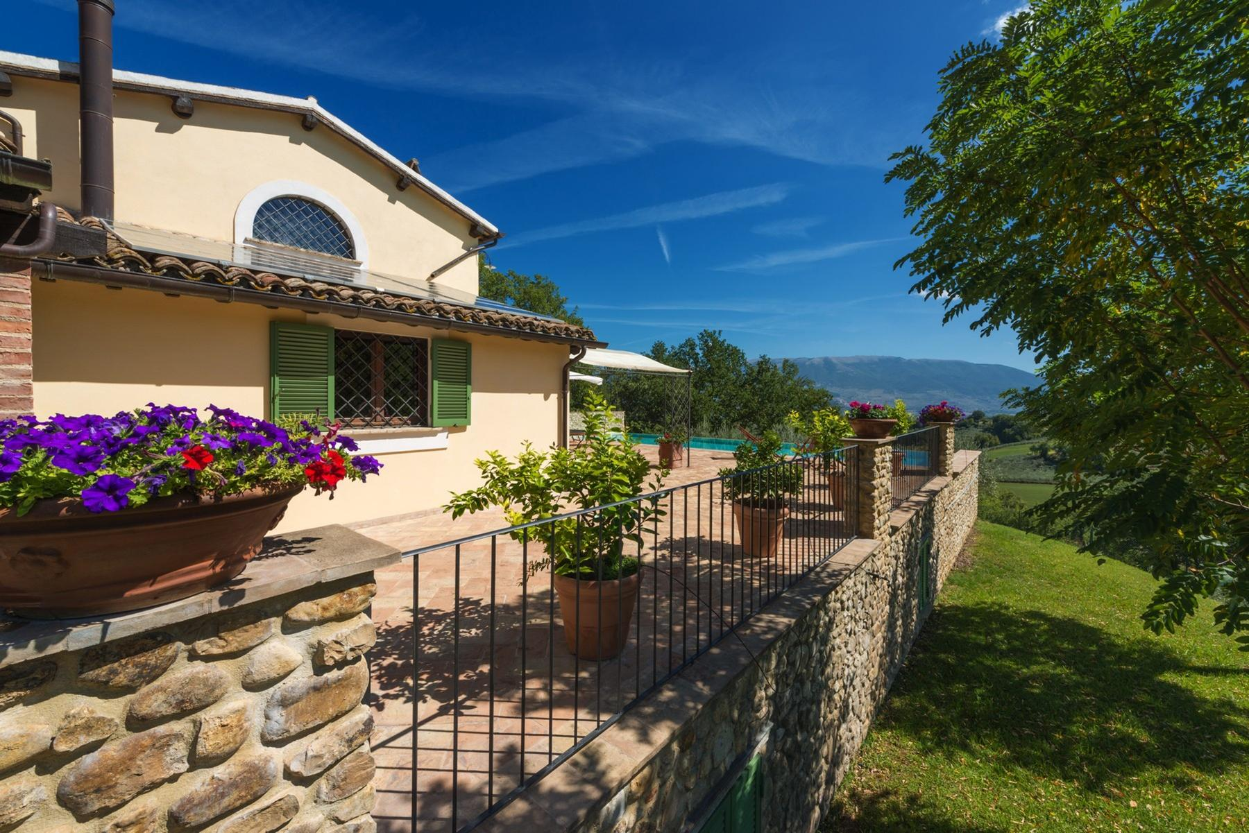 Enchanting property in the Umbrian hills - 6