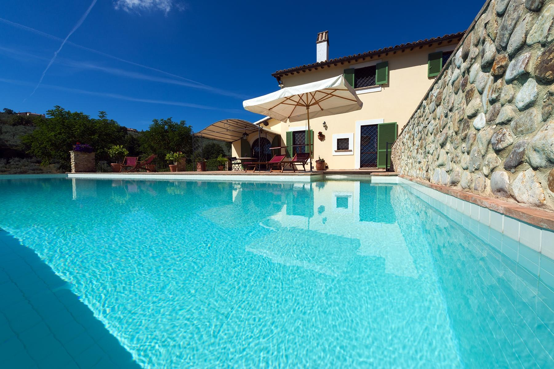 Enchanting property in the Umbrian hills - 2