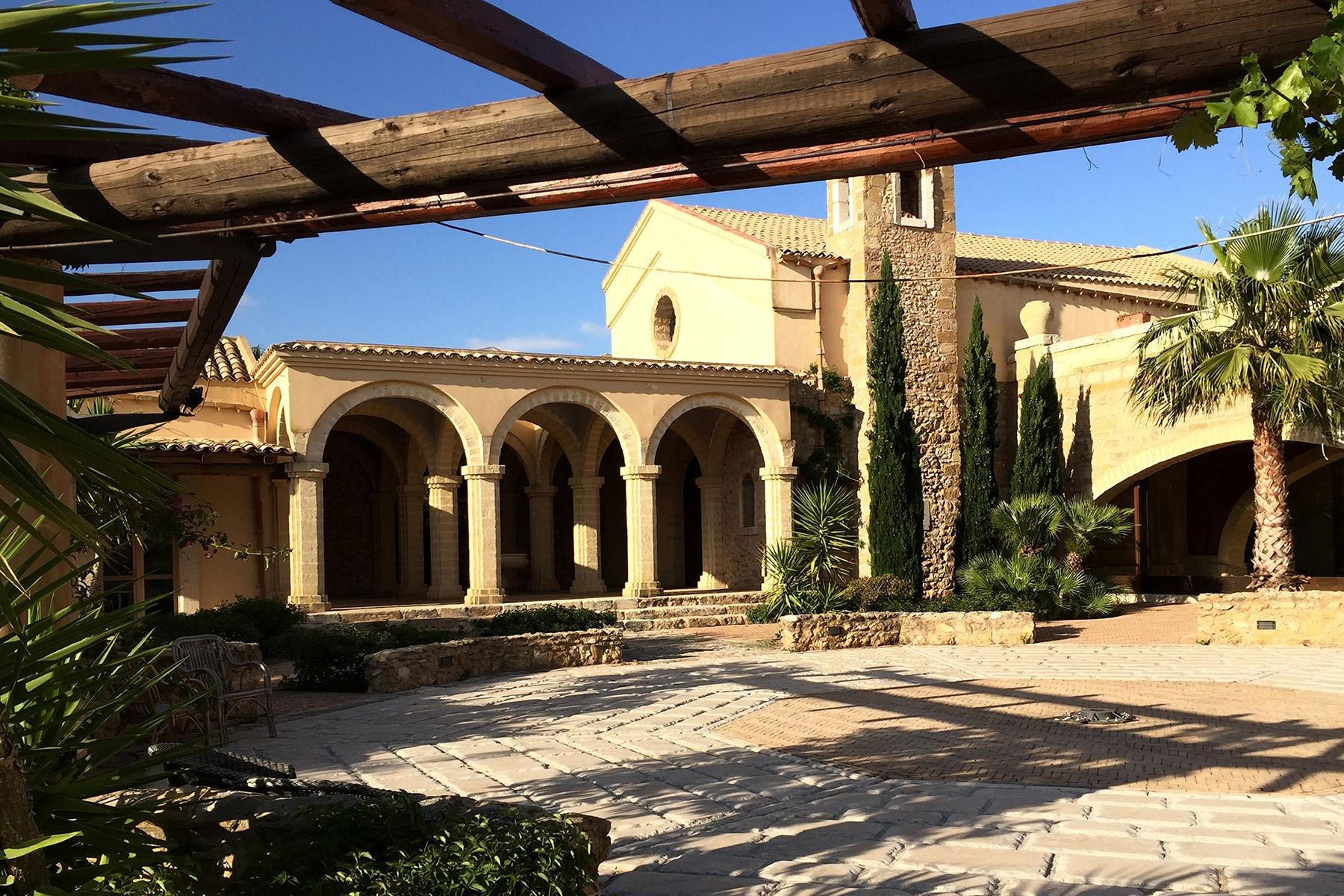 Magnificent  Sicilian Wine Estate - 7