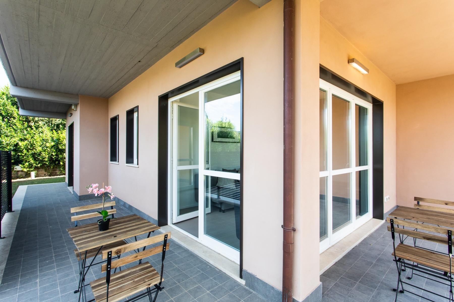 Front Lake Renovated apartment in Trevignano - 13