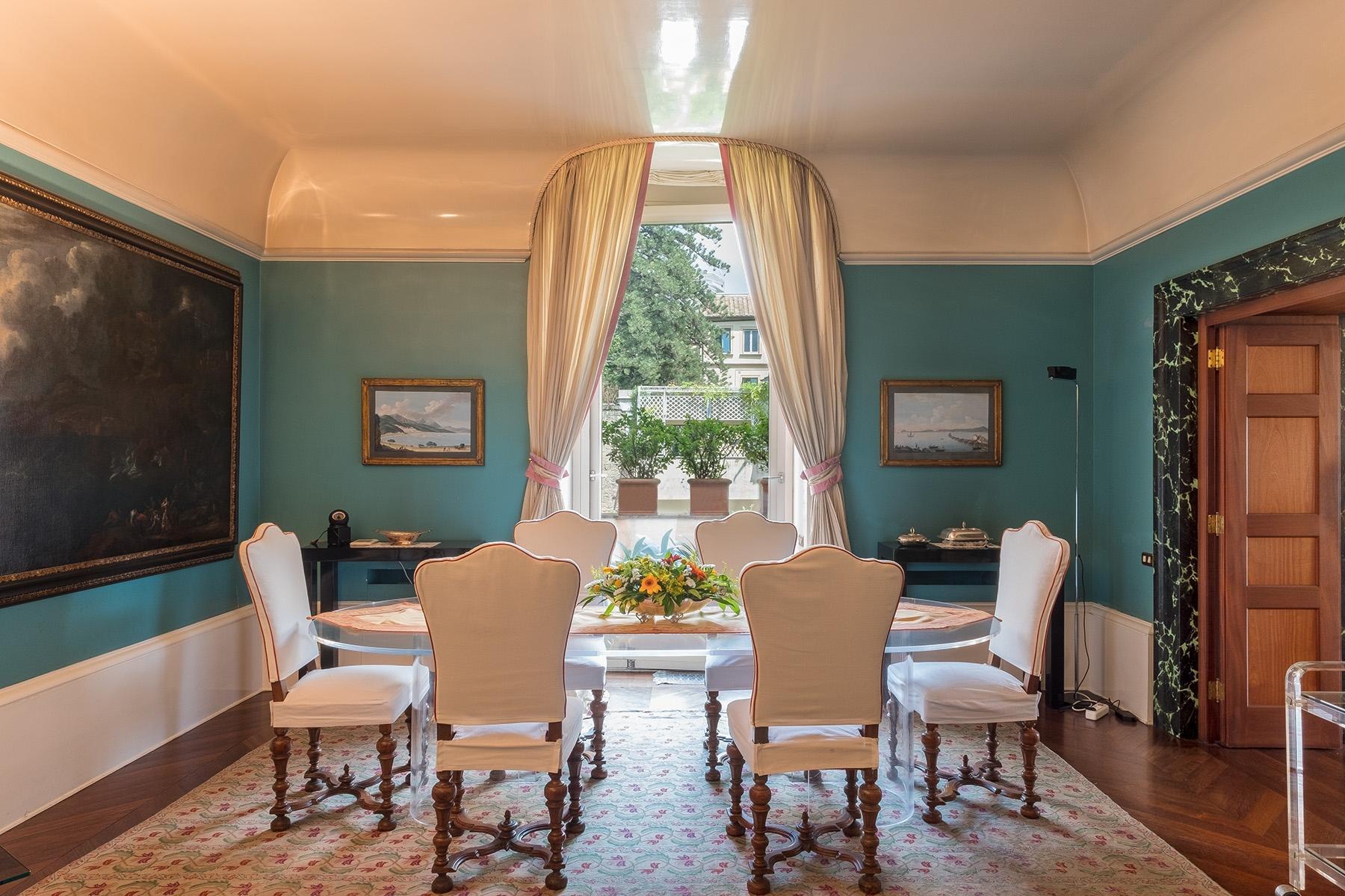 Scenographic apartment in historic building in Via Mergellina - 5
