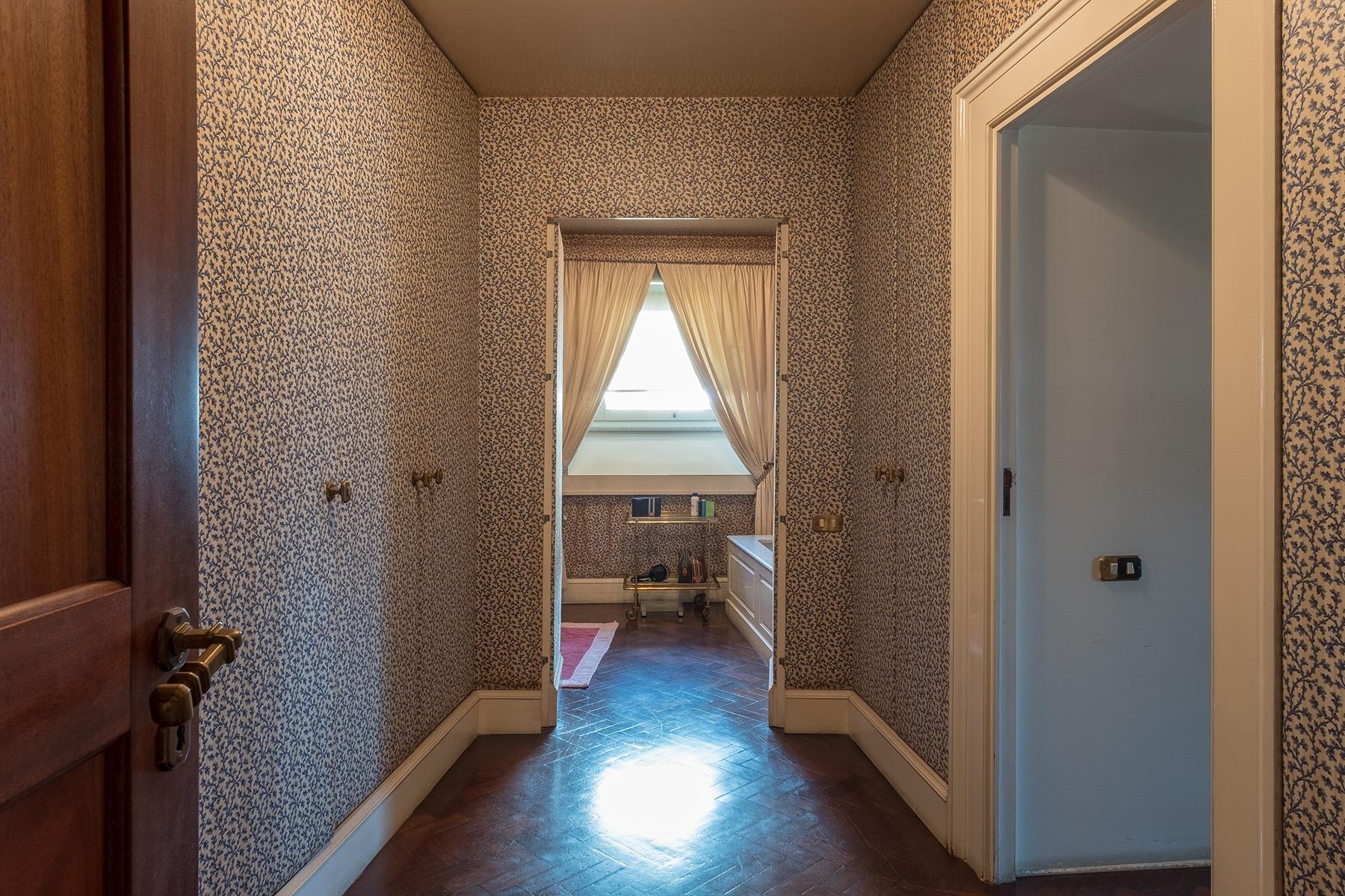 Scenographic apartment in historic building in Via Mergellina - 22