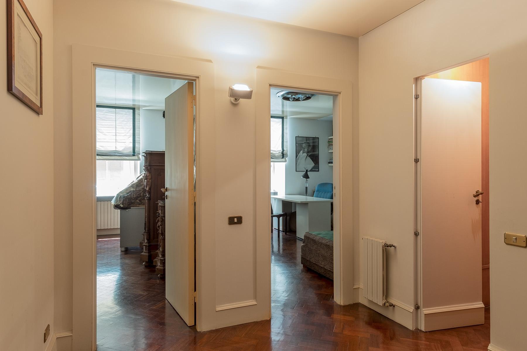 Scenographic apartment in historic building in Via Mergellina - 17