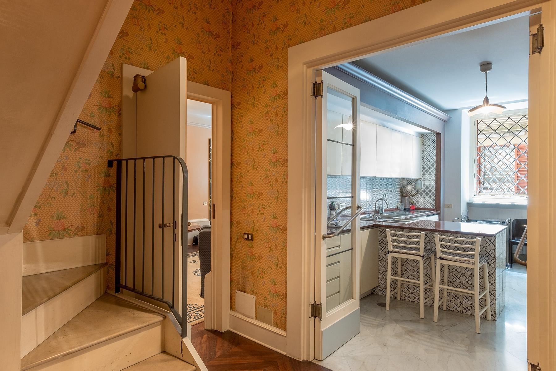 Scenographic apartment in historic building in Via Mergellina - 24