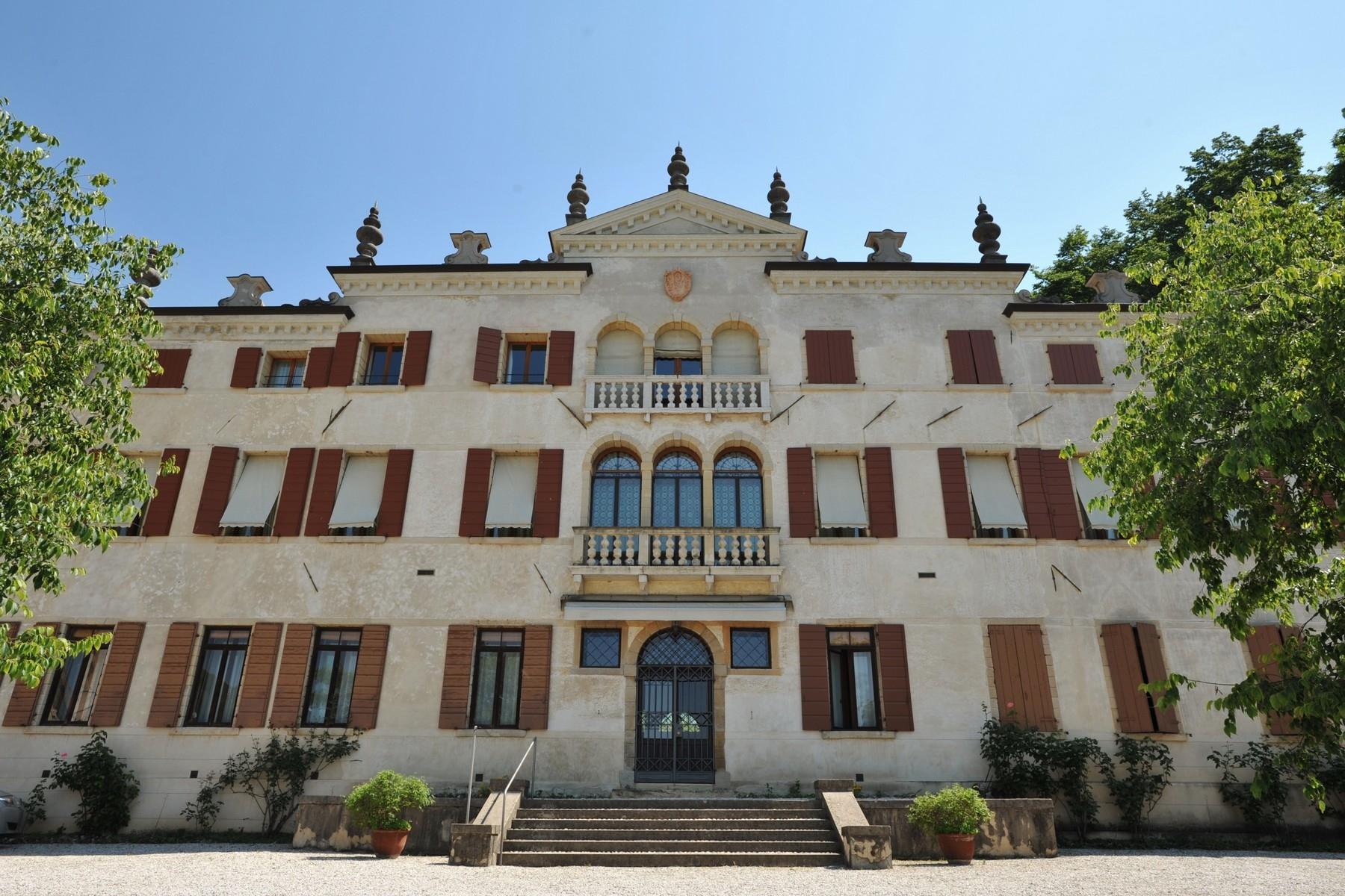 坐落于Asolo小镇典型的Veneta风格的别墅 - 13