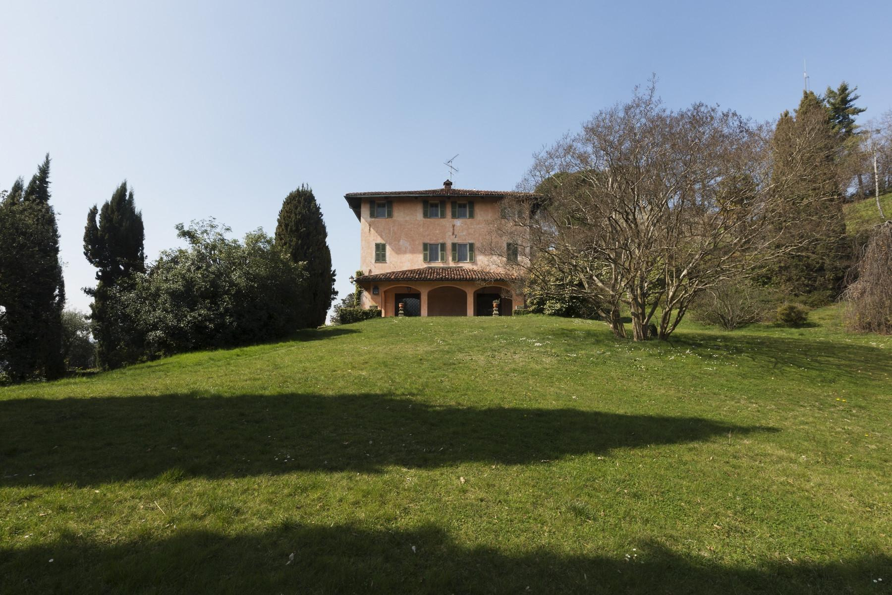Historical Villa in the countryside of Biella - 22