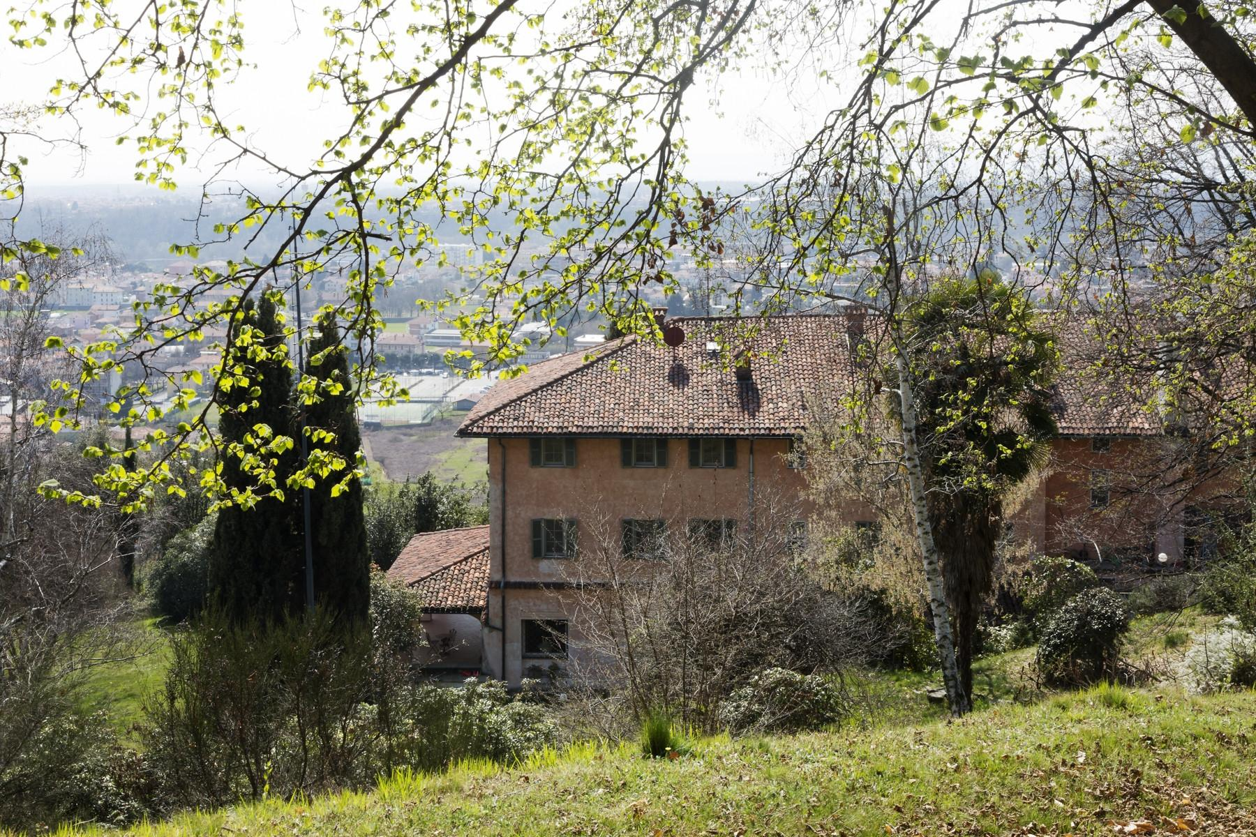 Historical Villa in the countryside of Biella - 21