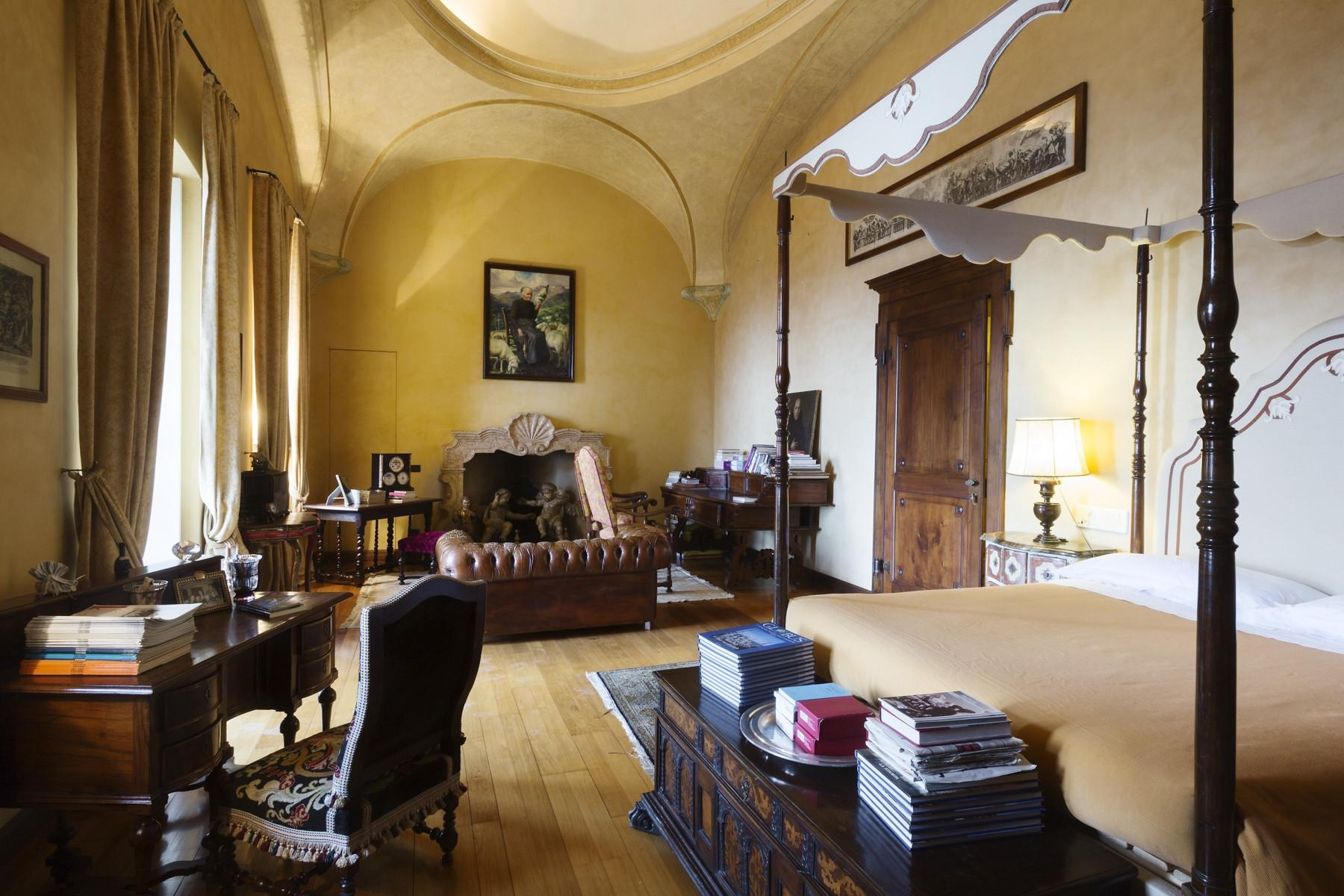 Historical Villa in the countryside of Biella - 9