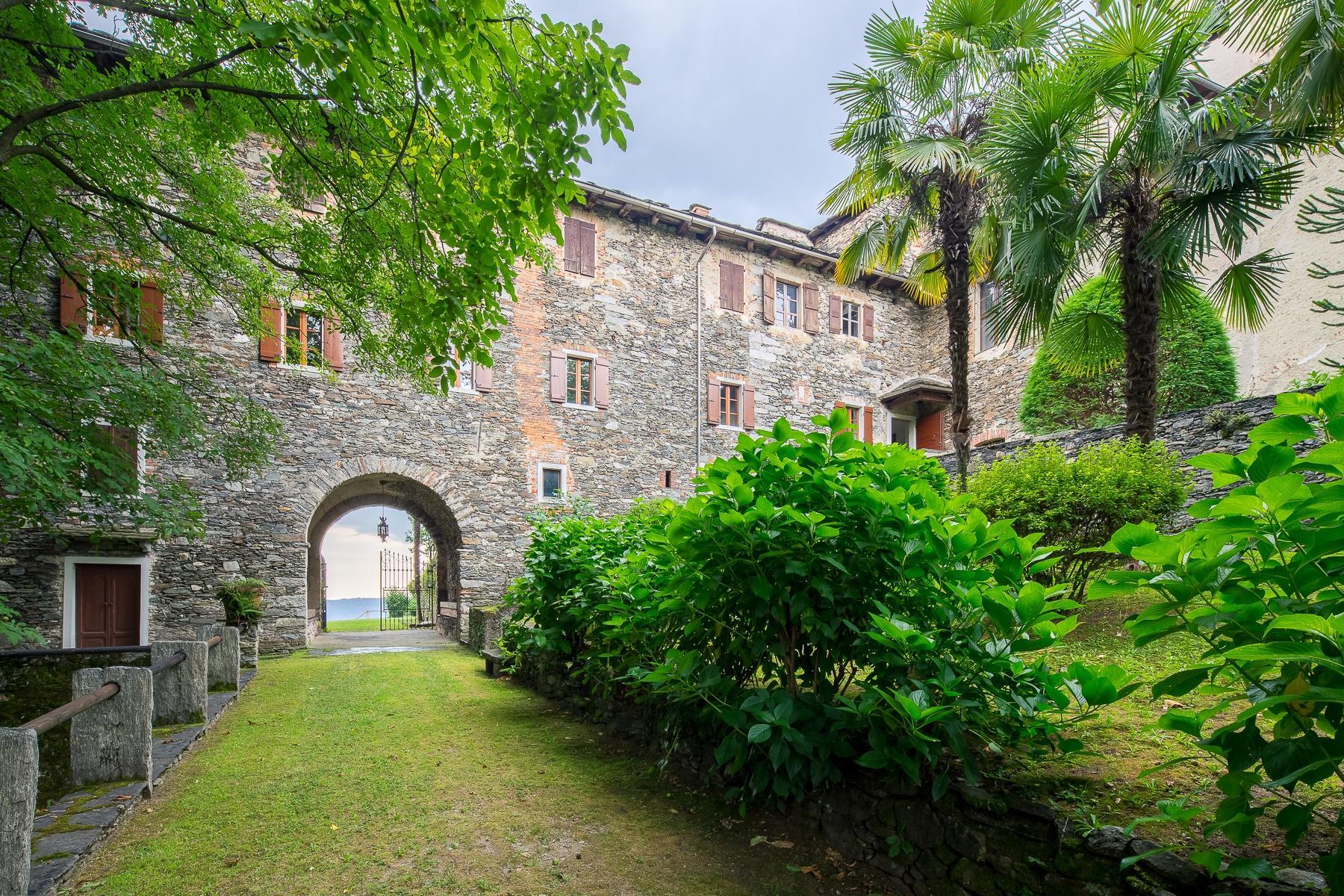 Бывший монастырь и вилла 19 века на Сакро-Монте - Орта Сан Джулио - 11