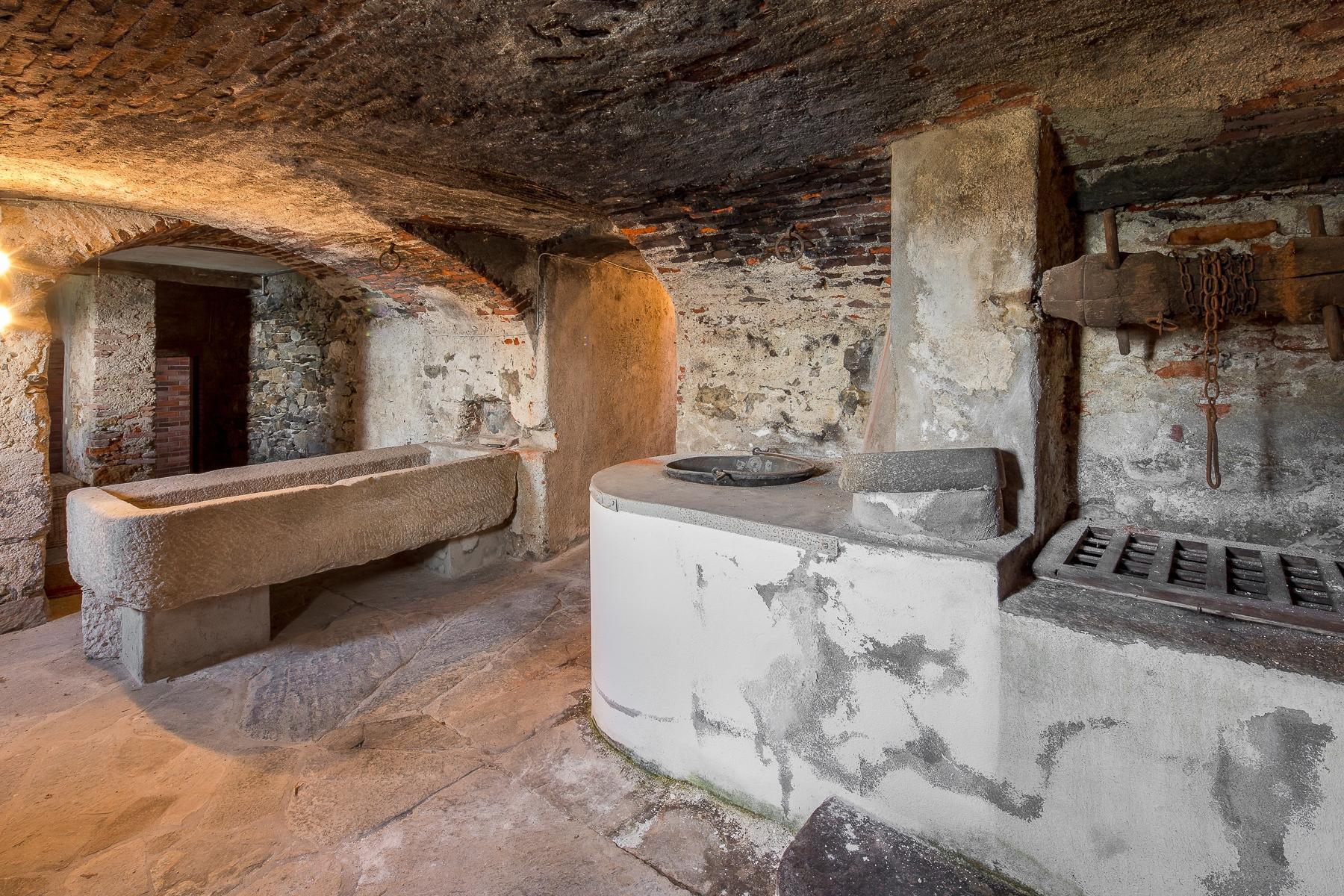 Бывший монастырь и вилла 19 века на Сакро-Монте - Орта Сан Джулио - 30