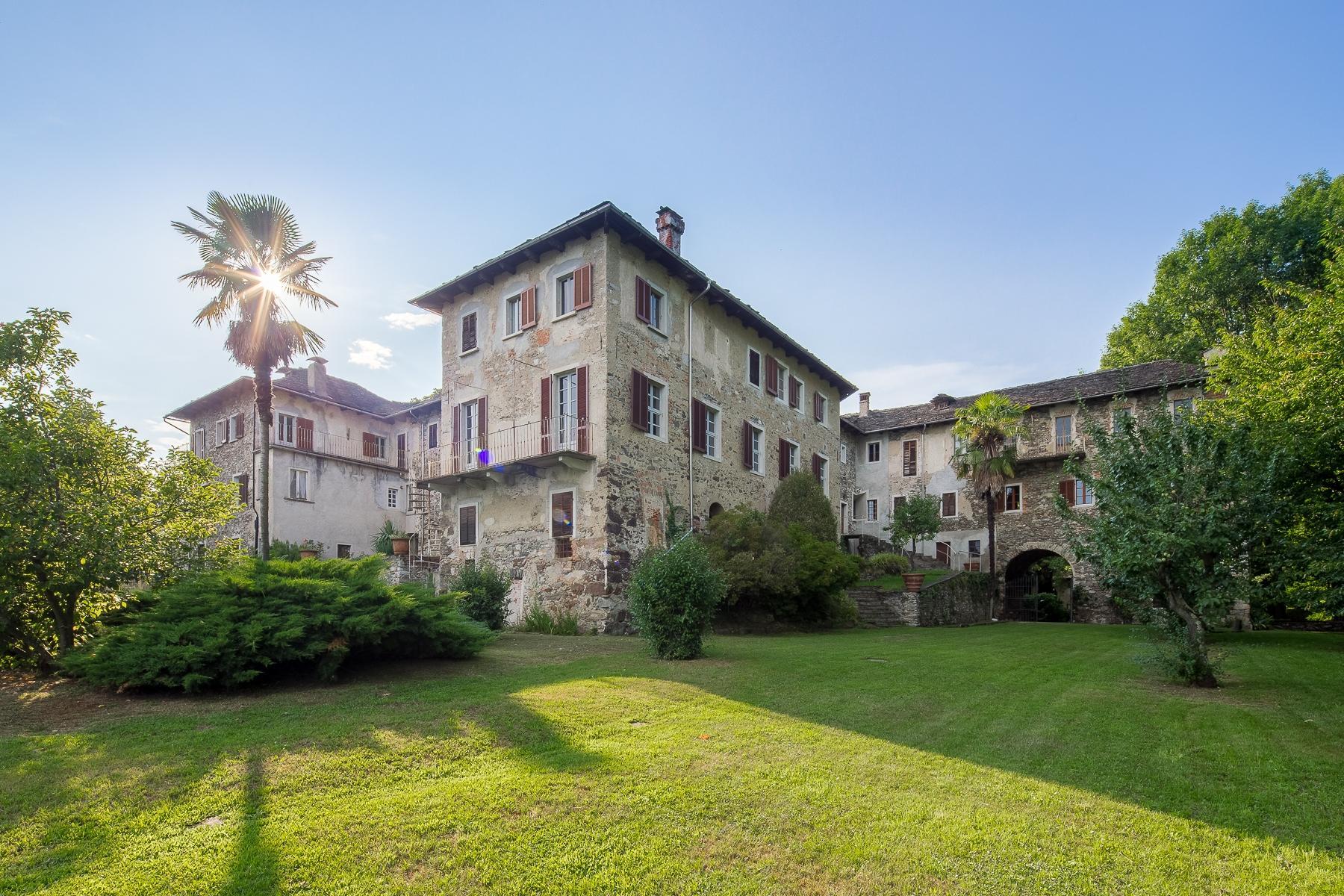 Ex-Convent and XIX-century Villa on Sacro Monte - Orta San Giulio - 3