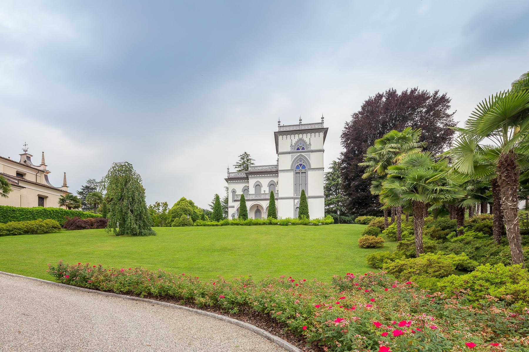 Art-Nouveau villa on the shores of Lesa - 16