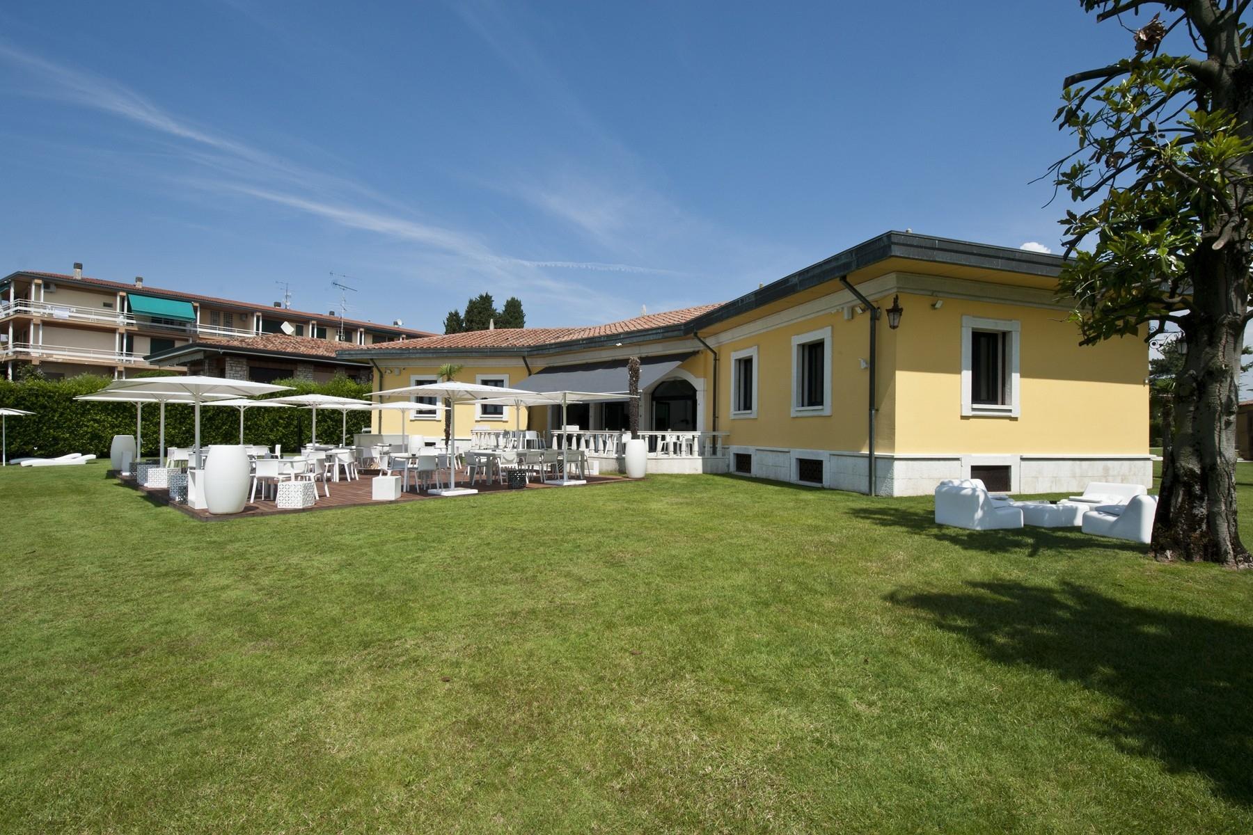 Einzigartige Pied dans l'Eau-Villa in Sirmione, mit Strand und Liegeplatz - 8
