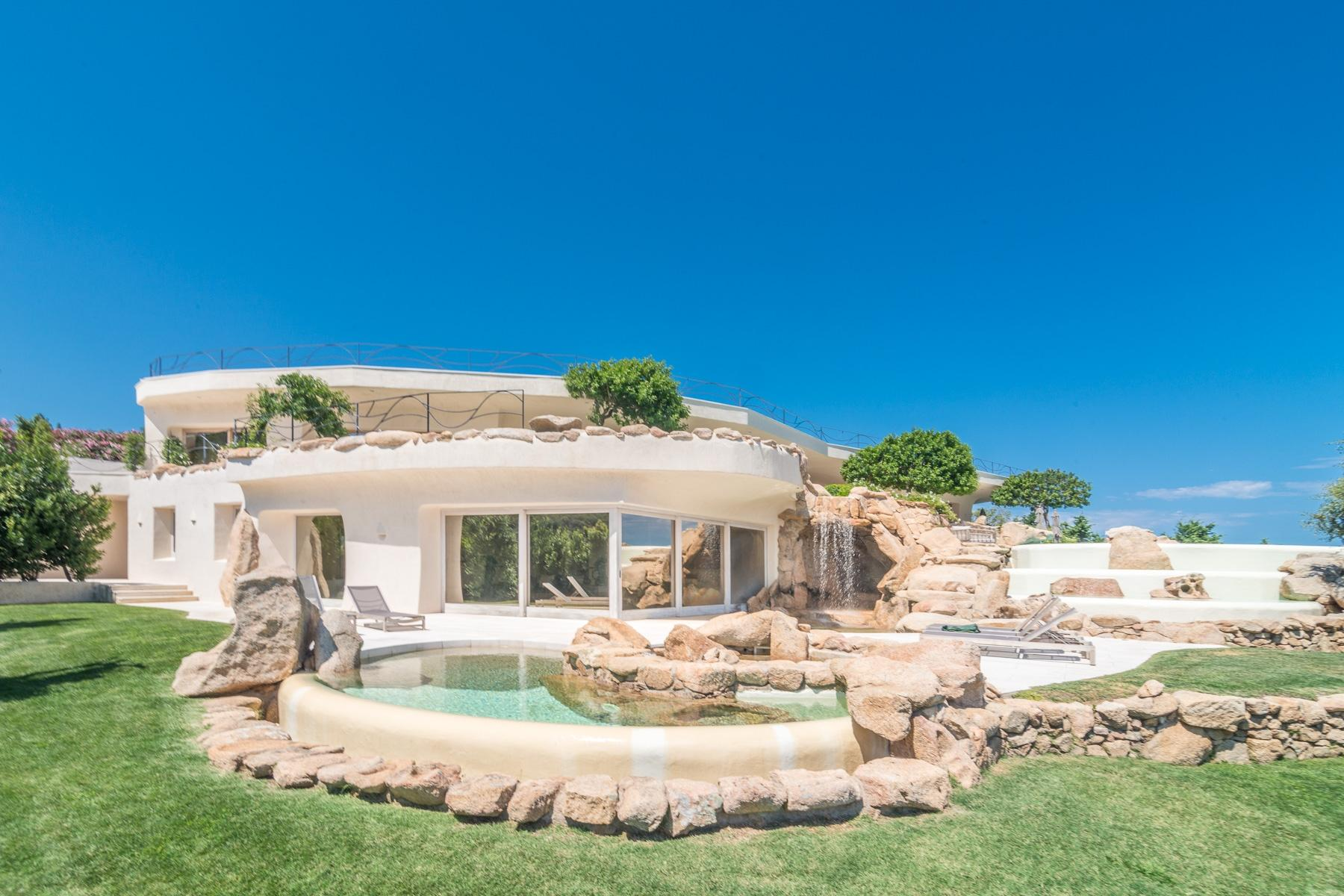 Magnificent villa in the centre of Porto Cervo - 2