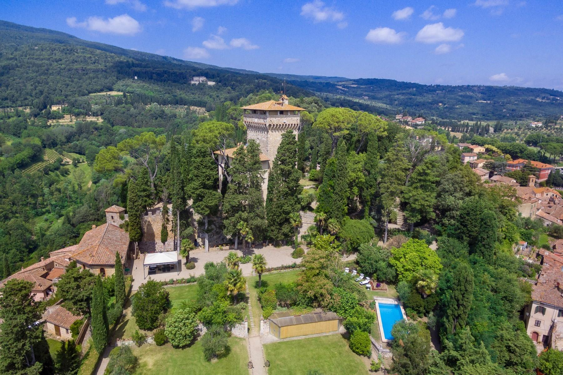 Rocca di Cetona, un'incantevole villa con viste mozzafiato dei paesaggi - 1