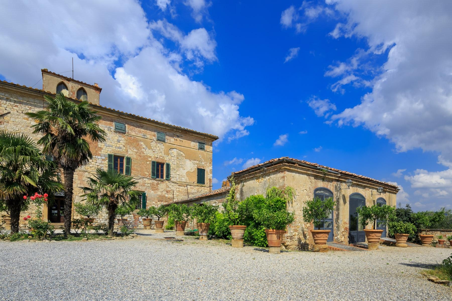 Prestigious property in the heart of Tuscany - 2