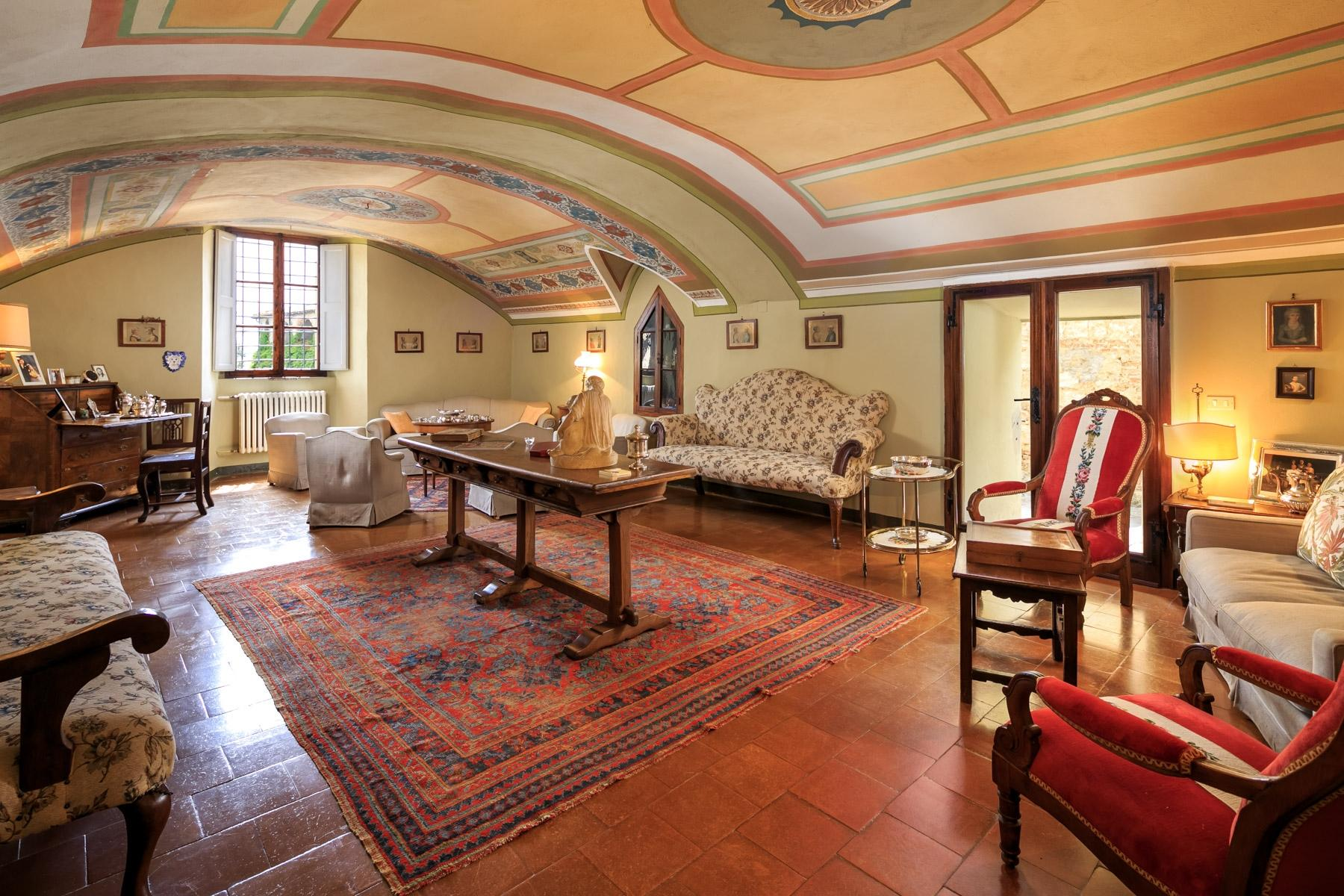 Prestigious property in the heart of Tuscany - 4