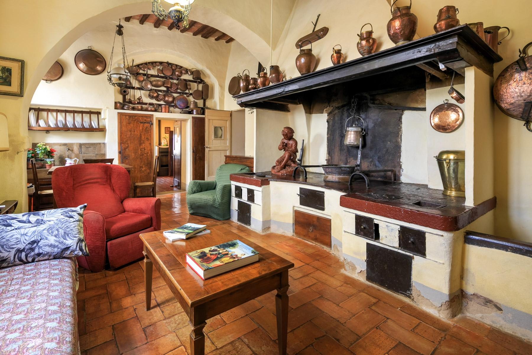 Prestigious property in the heart of Tuscany - 9