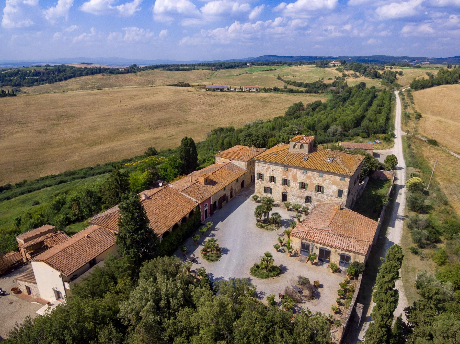 Prestigious property in the heart of Tuscany - 19