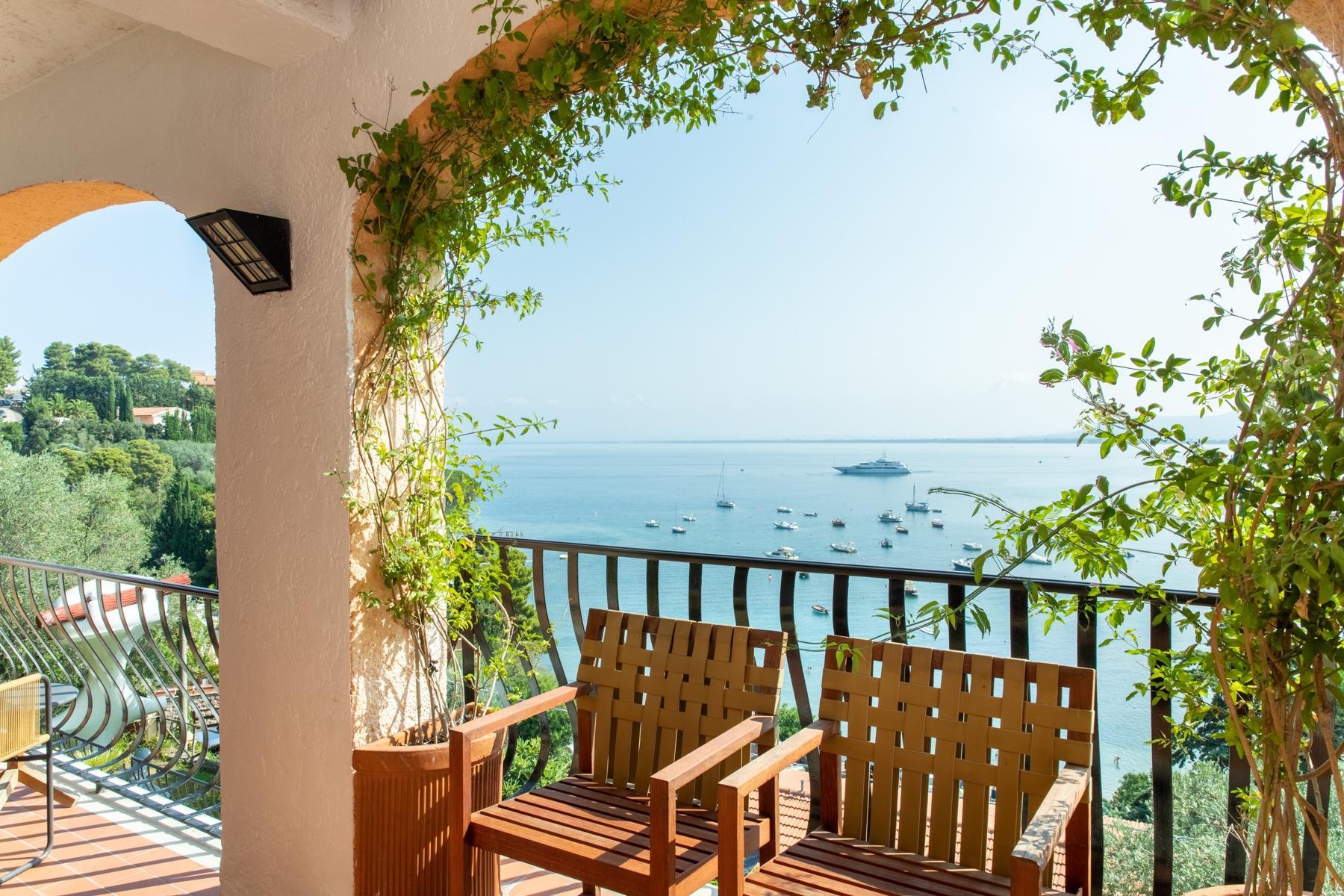 Тосканская вилла с пейзажным бассейном на побережье Монте-Арджентарио, Италия - 4