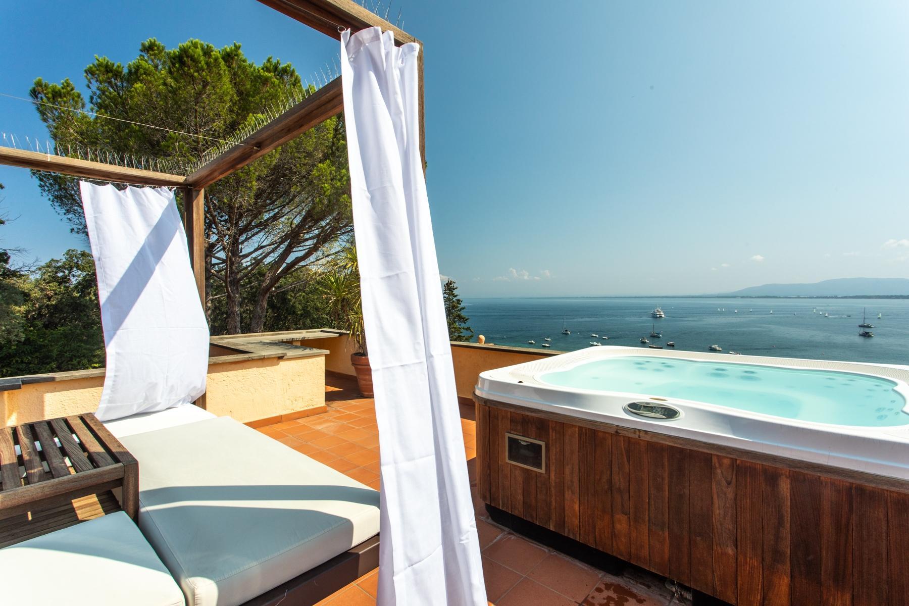 Spettacolare villa con piscina fronte mare - 9