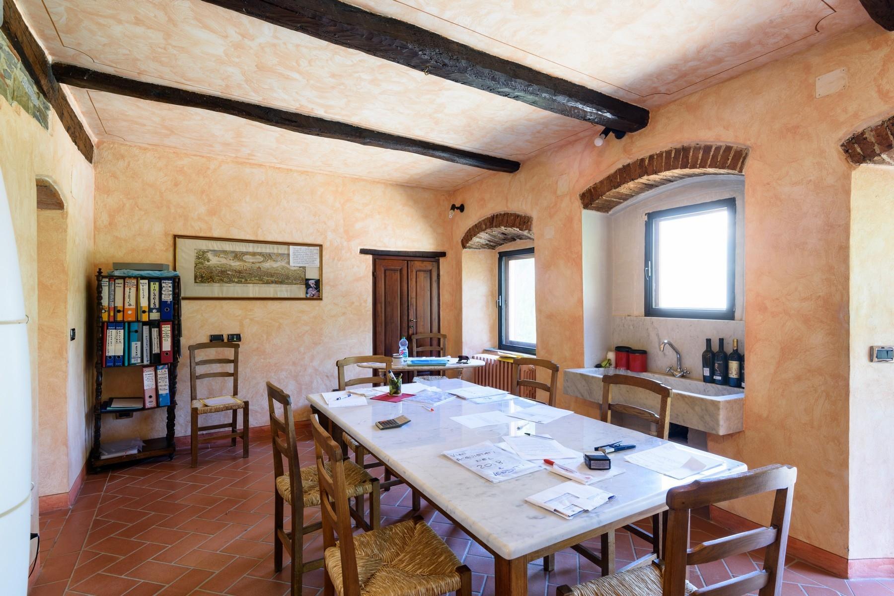 Important wine estate in Chianti - 20