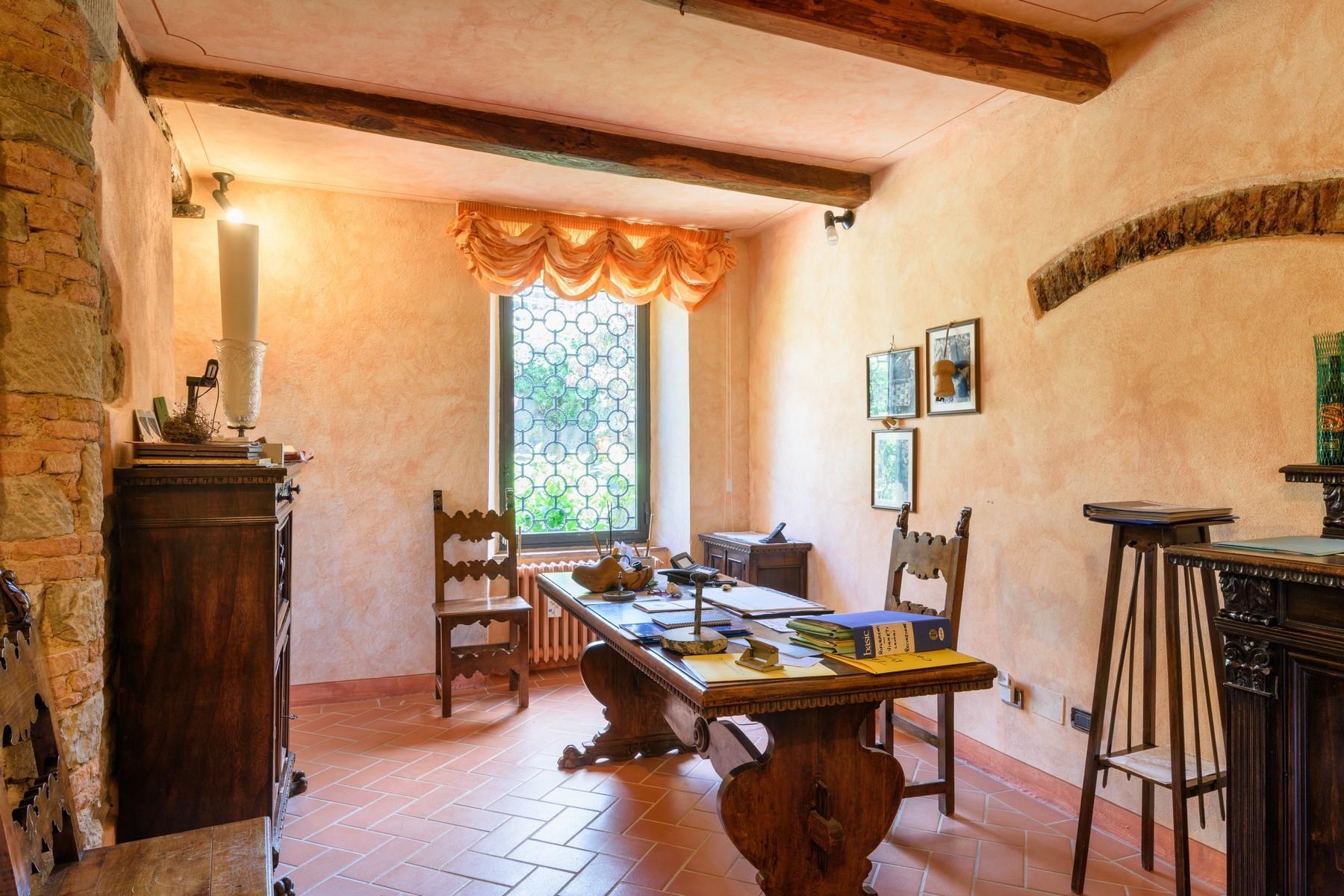 Important wine estate in Chianti - 21