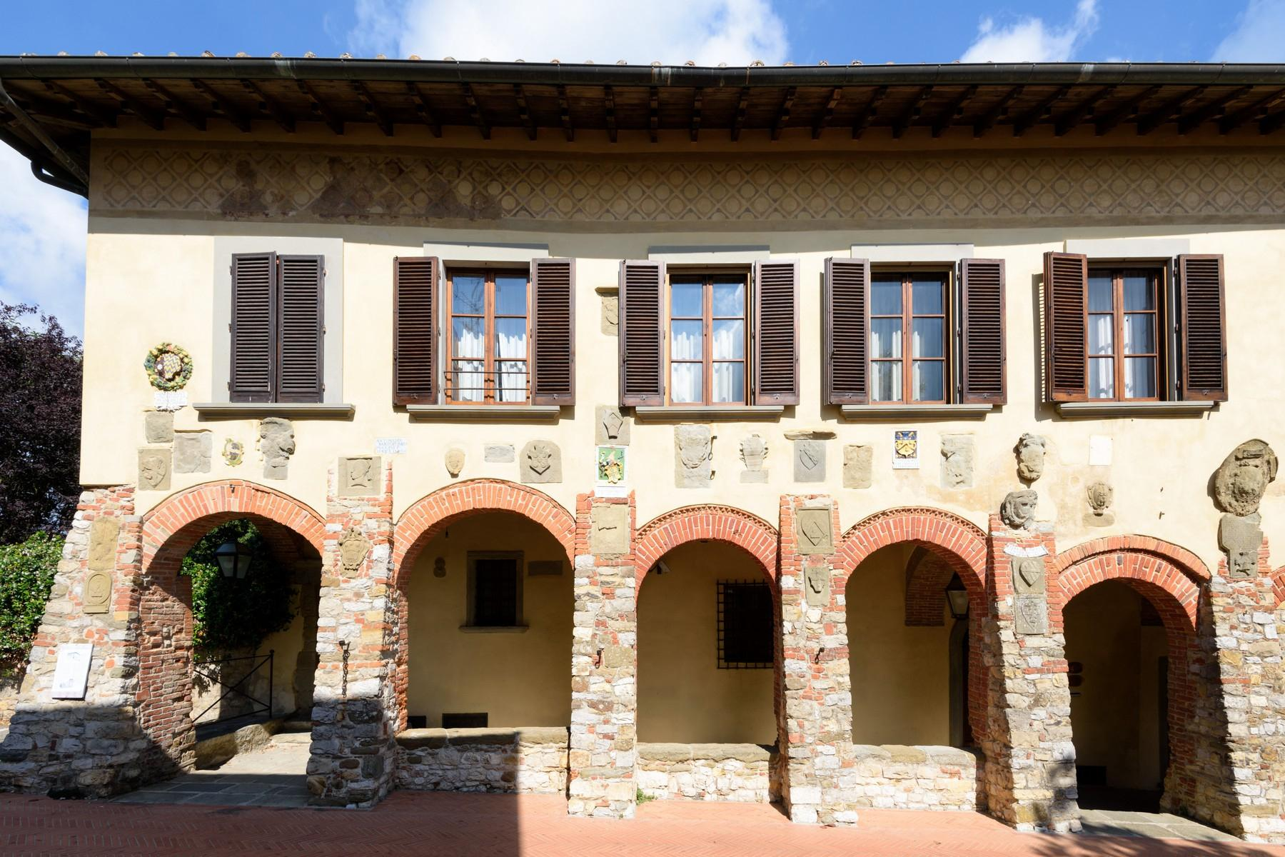 Historical palace of the 10th century in the heart of the Val di Chiana - 2