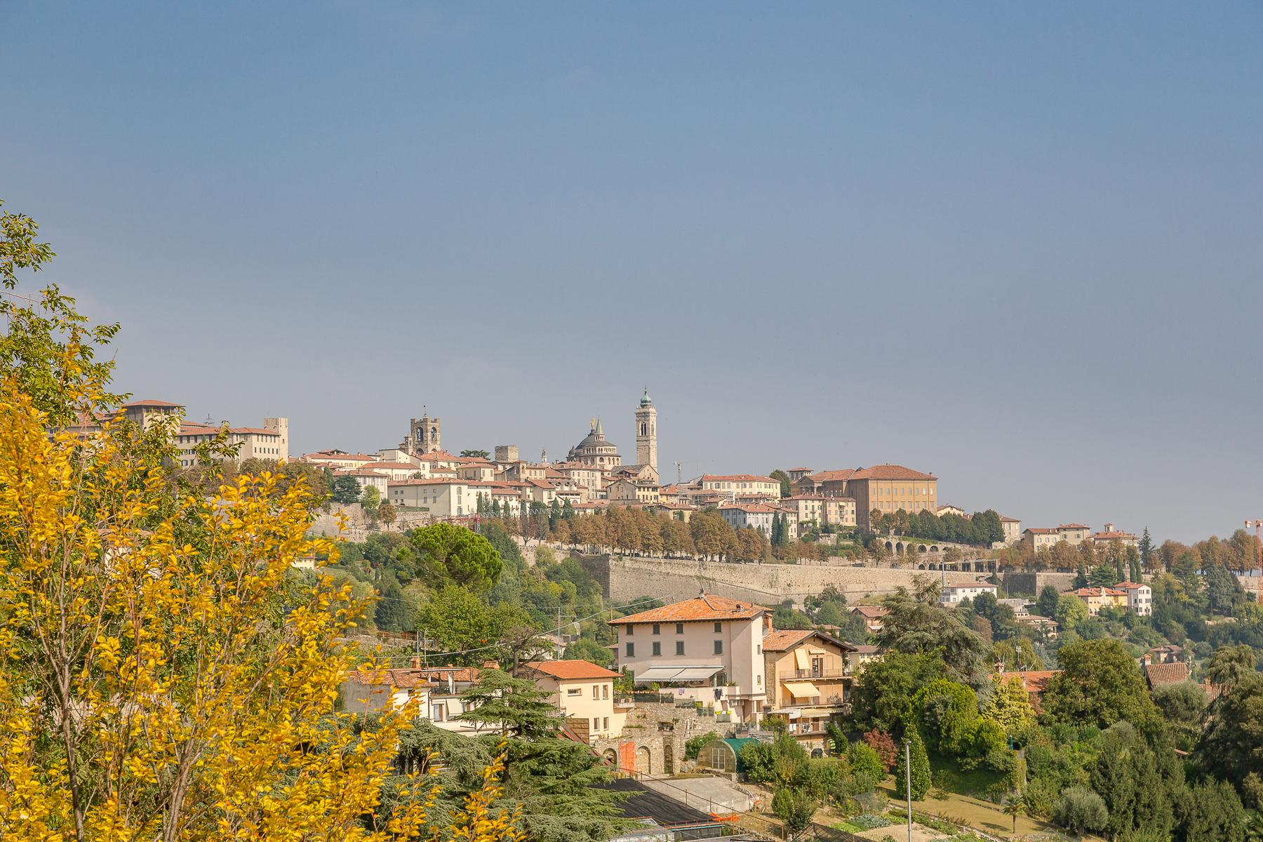 Прекрасная вилла на холмах Bergamo Alta - 2