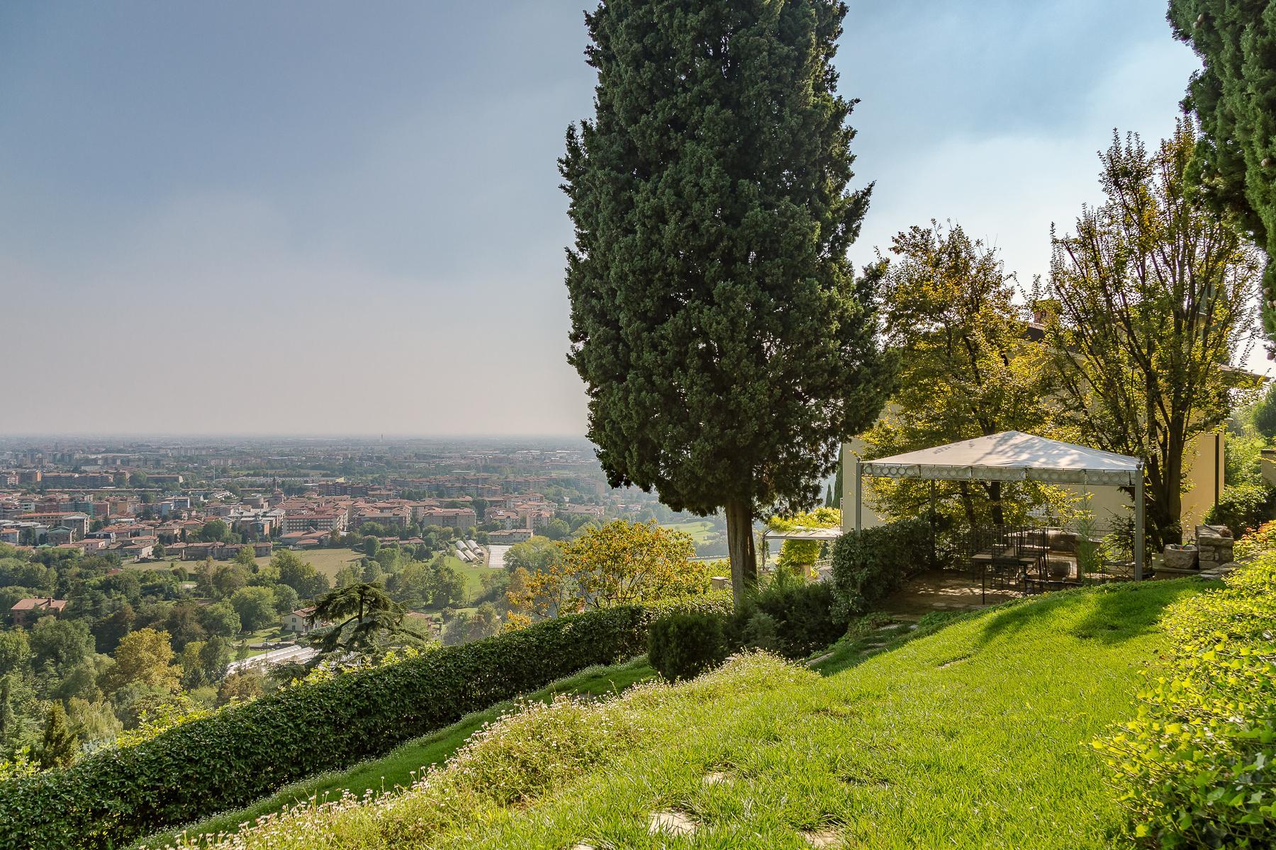 Beautiful villa on the hills of Bergamo Alta - 16