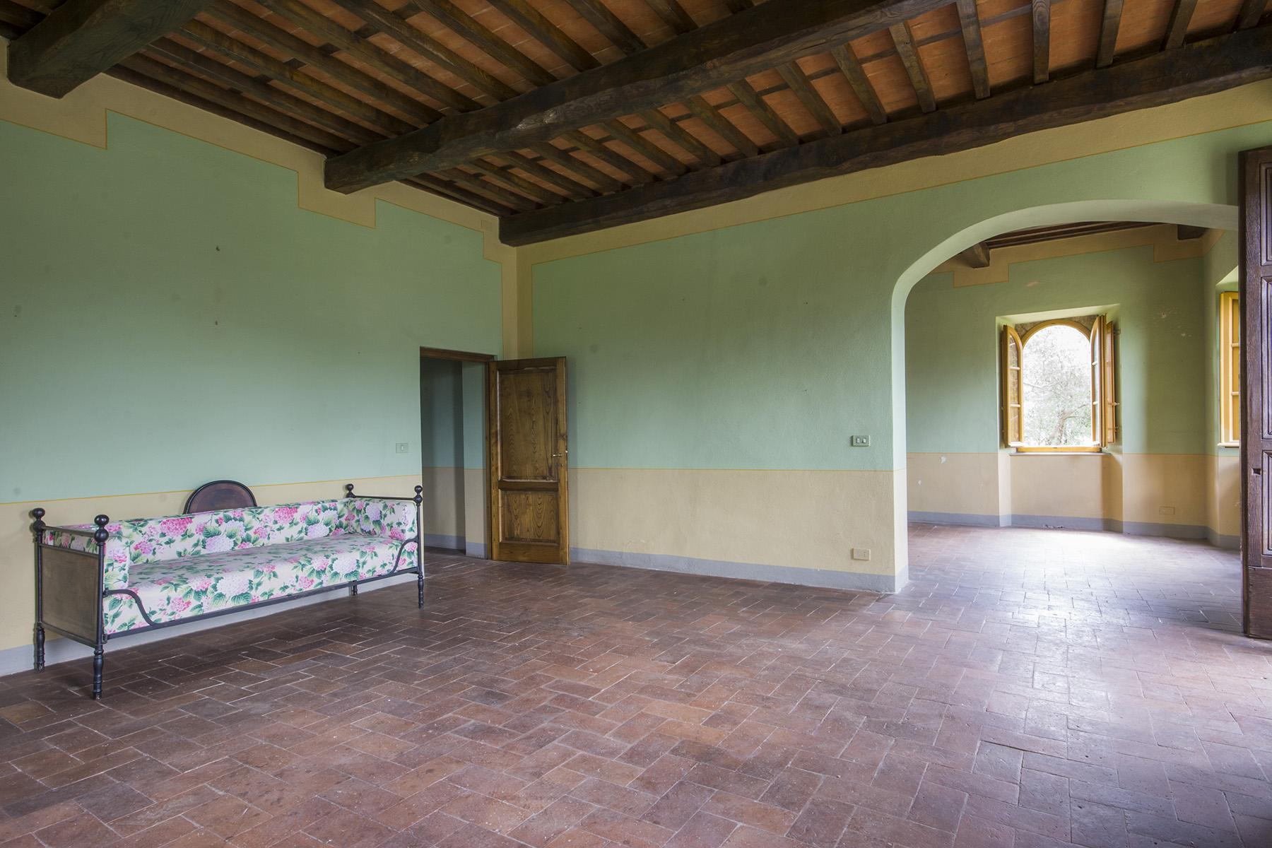 Stunning villa with breathtaking views of the Lucca countryside - 4
