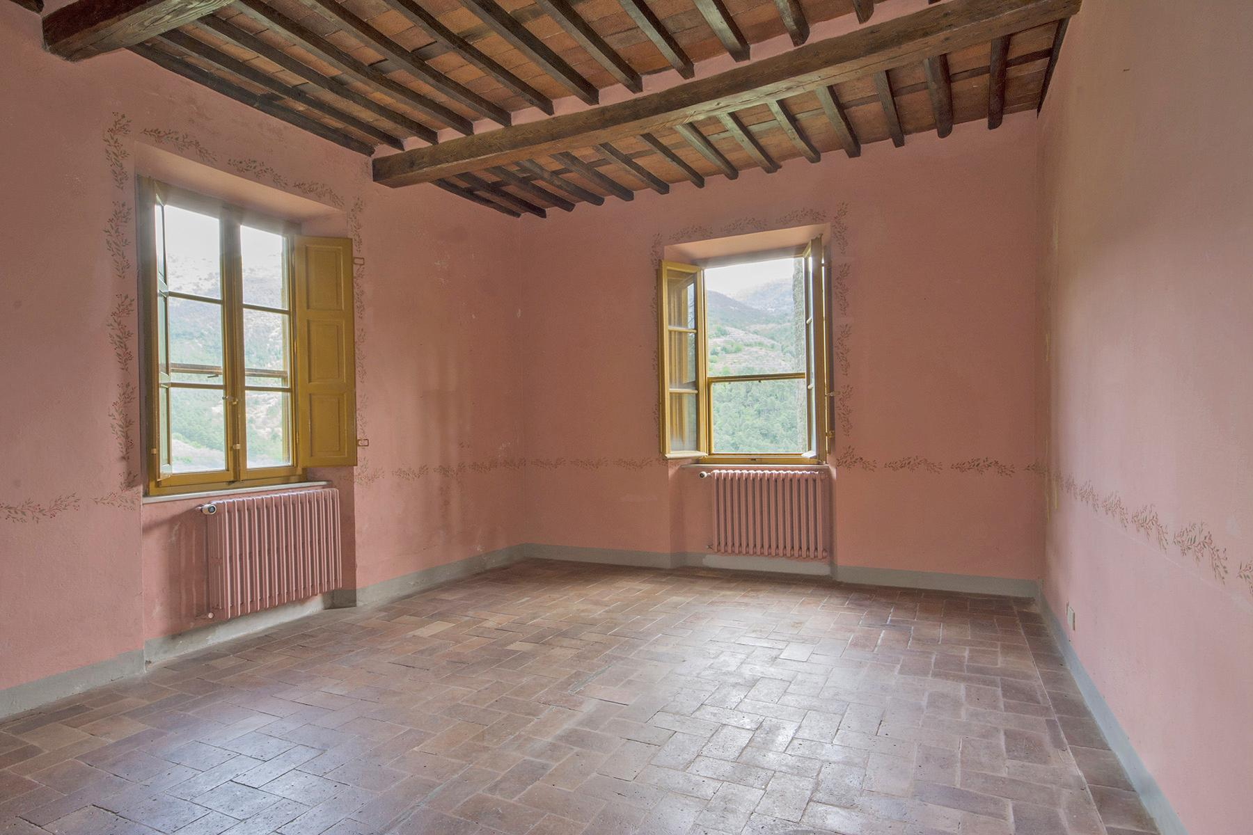 Stunning villa with breathtaking views of the Lucca countryside - 10