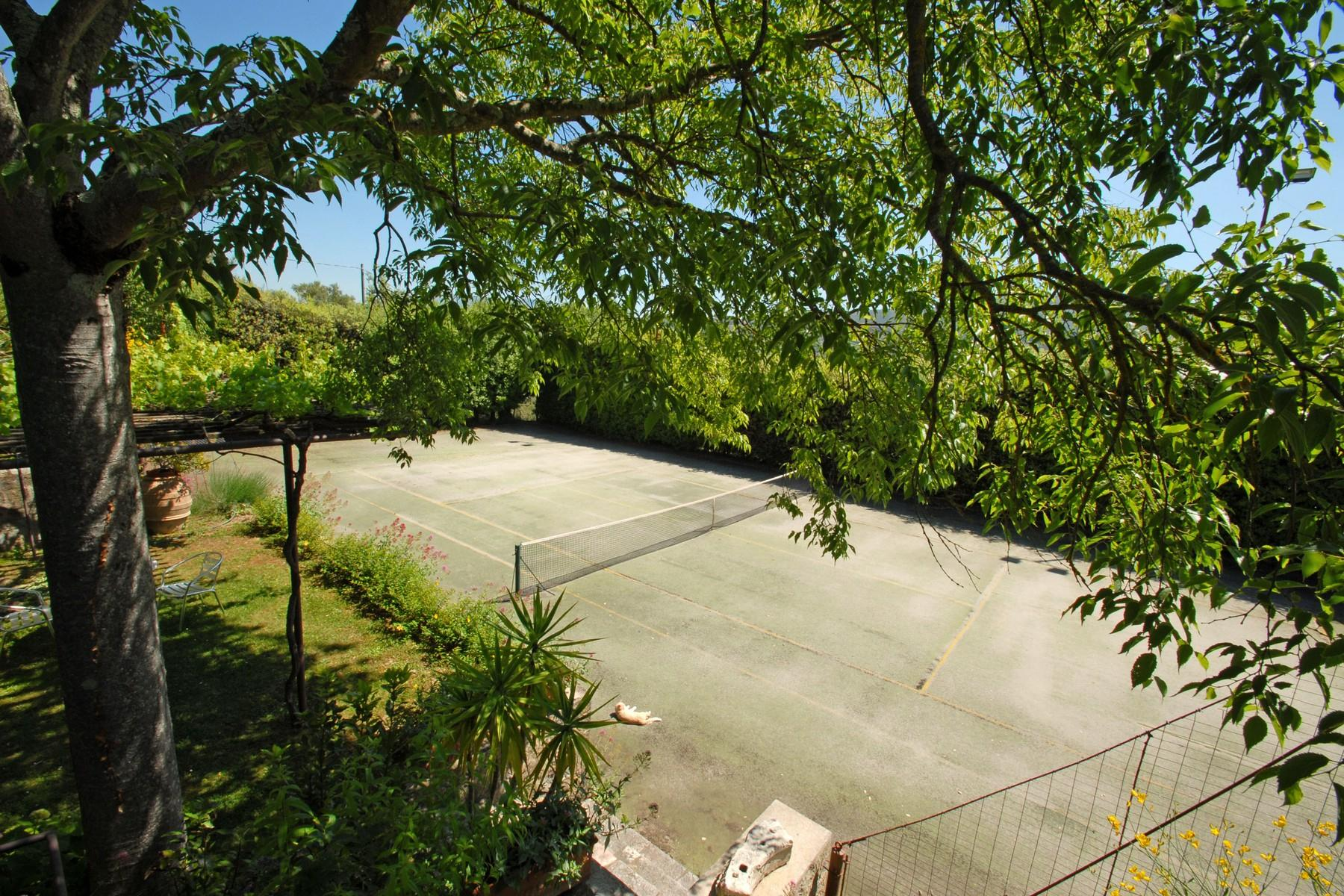 Superbe propriété avec jardin d'hiver, court de tennis et piscine - 28