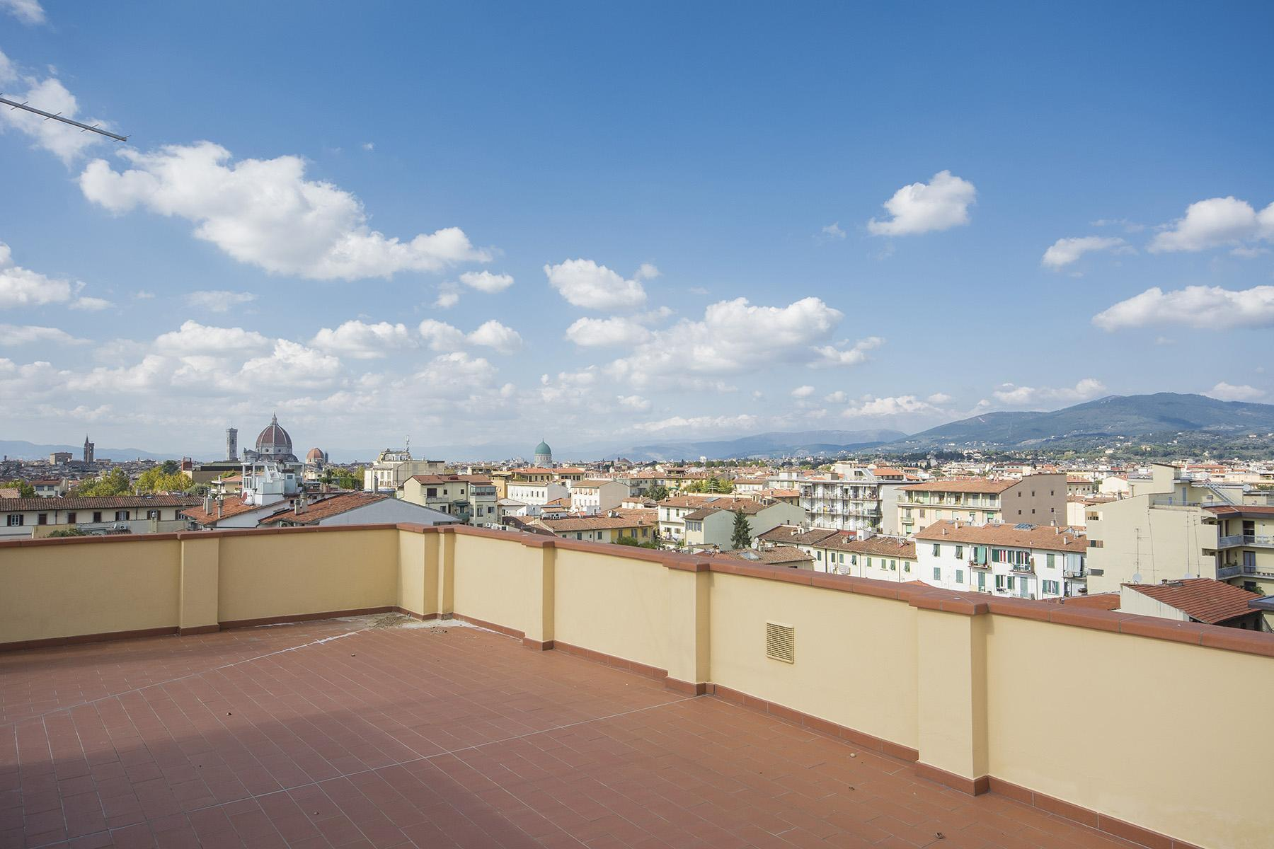 Wonderful attic with a panoramic view of Florence - 12