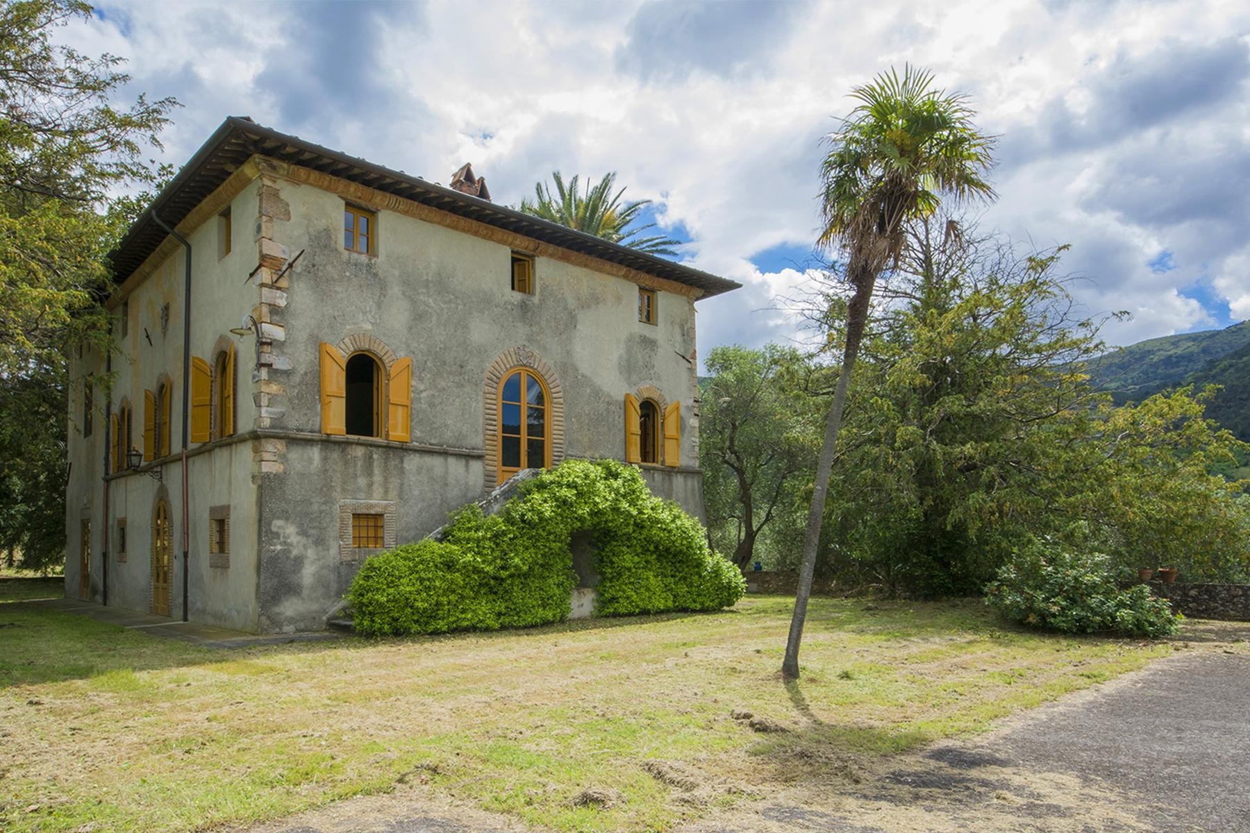 Stunning villa with breathtaking views of the Lucca countryside - 1