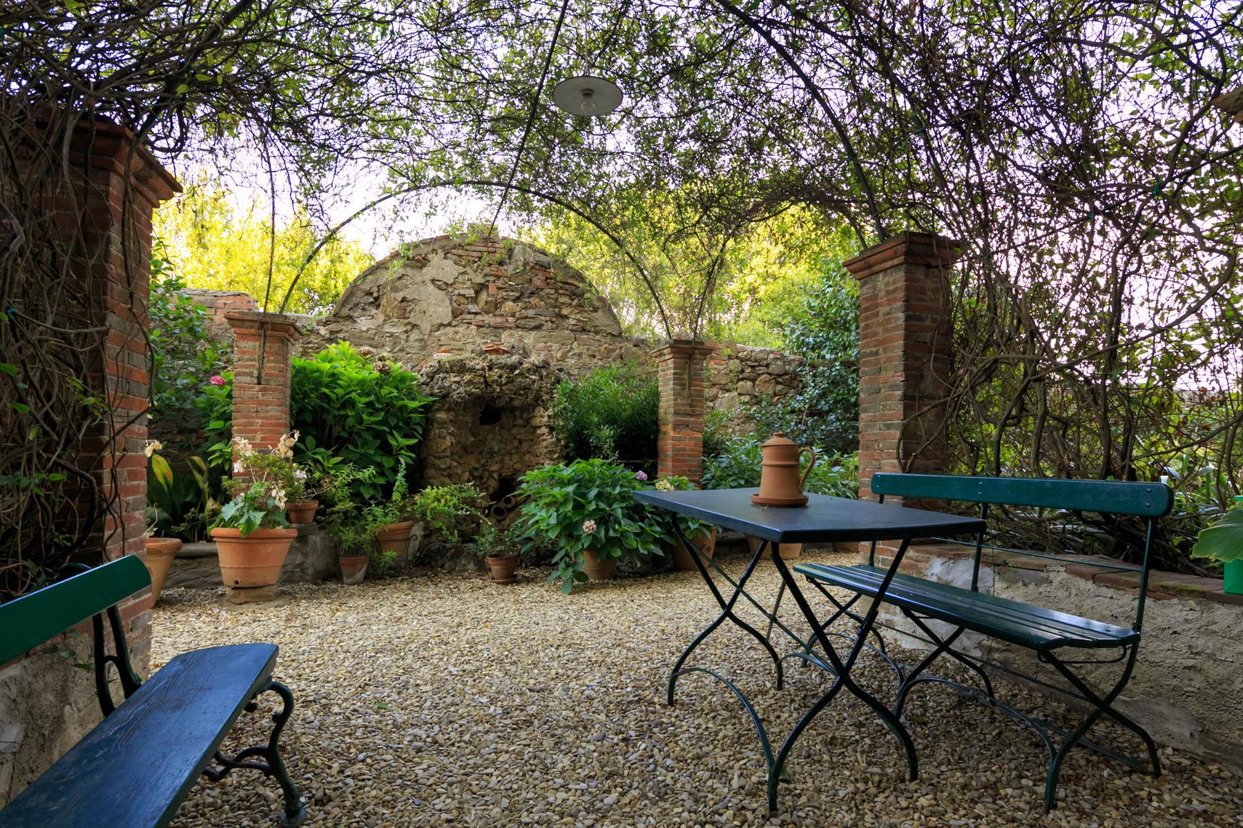 Herrliche Villa aus 1600 mit gepflanztem Park - 15