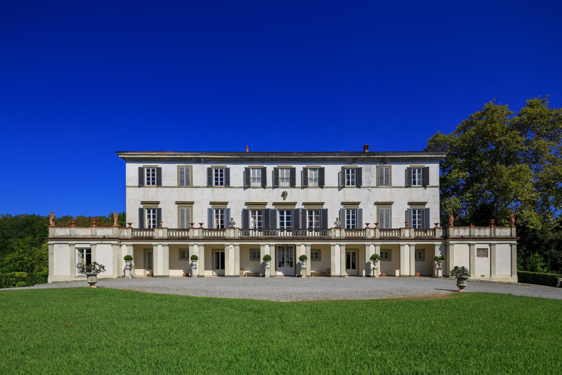 独一无二的历史悠久的别墅在Lucchesia - 1