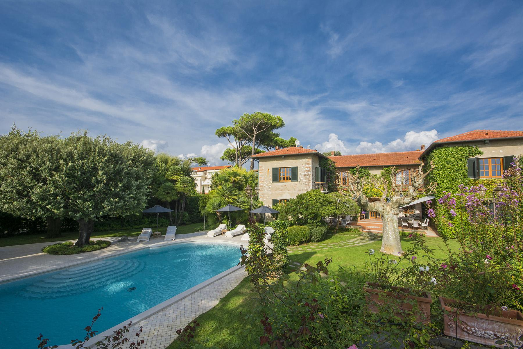 Magnificent property in Marina di Pietrasanta - 1