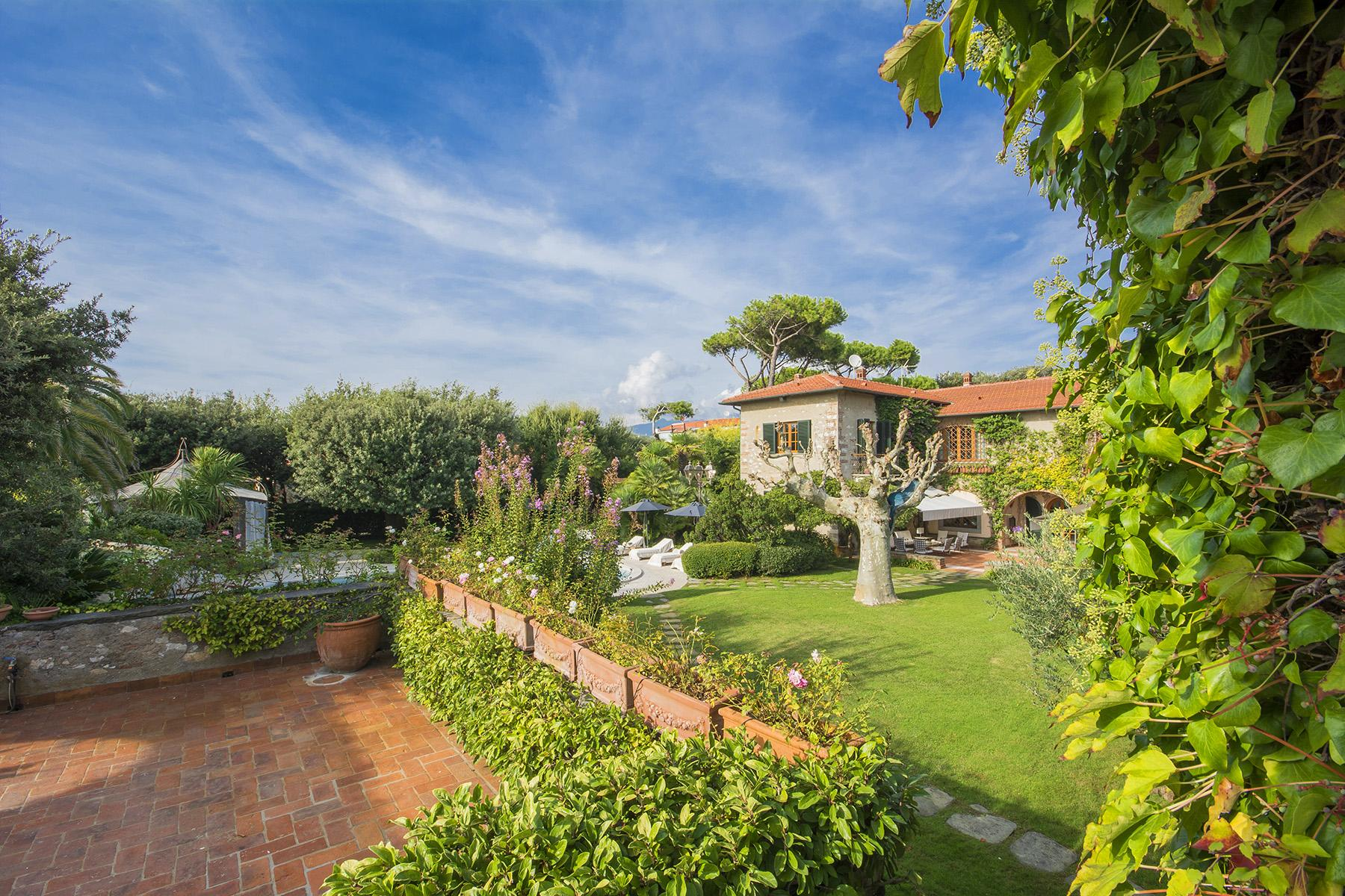 Magnificent property in Marina di Pietrasanta - 4