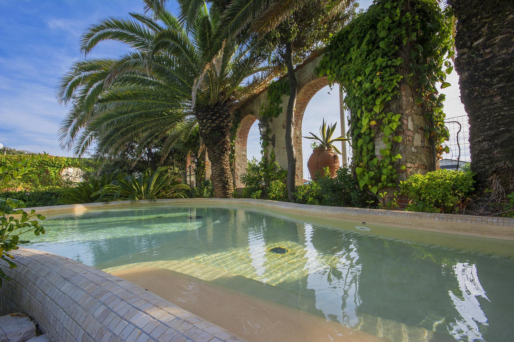 Magnificent property in Marina di Pietrasanta - 19
