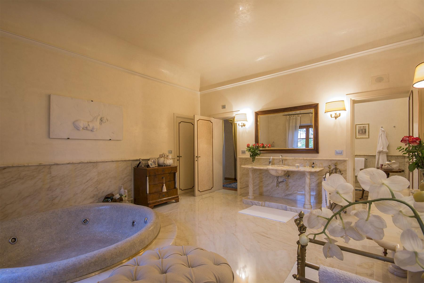 Magnificent property in Marina di Pietrasanta - 40