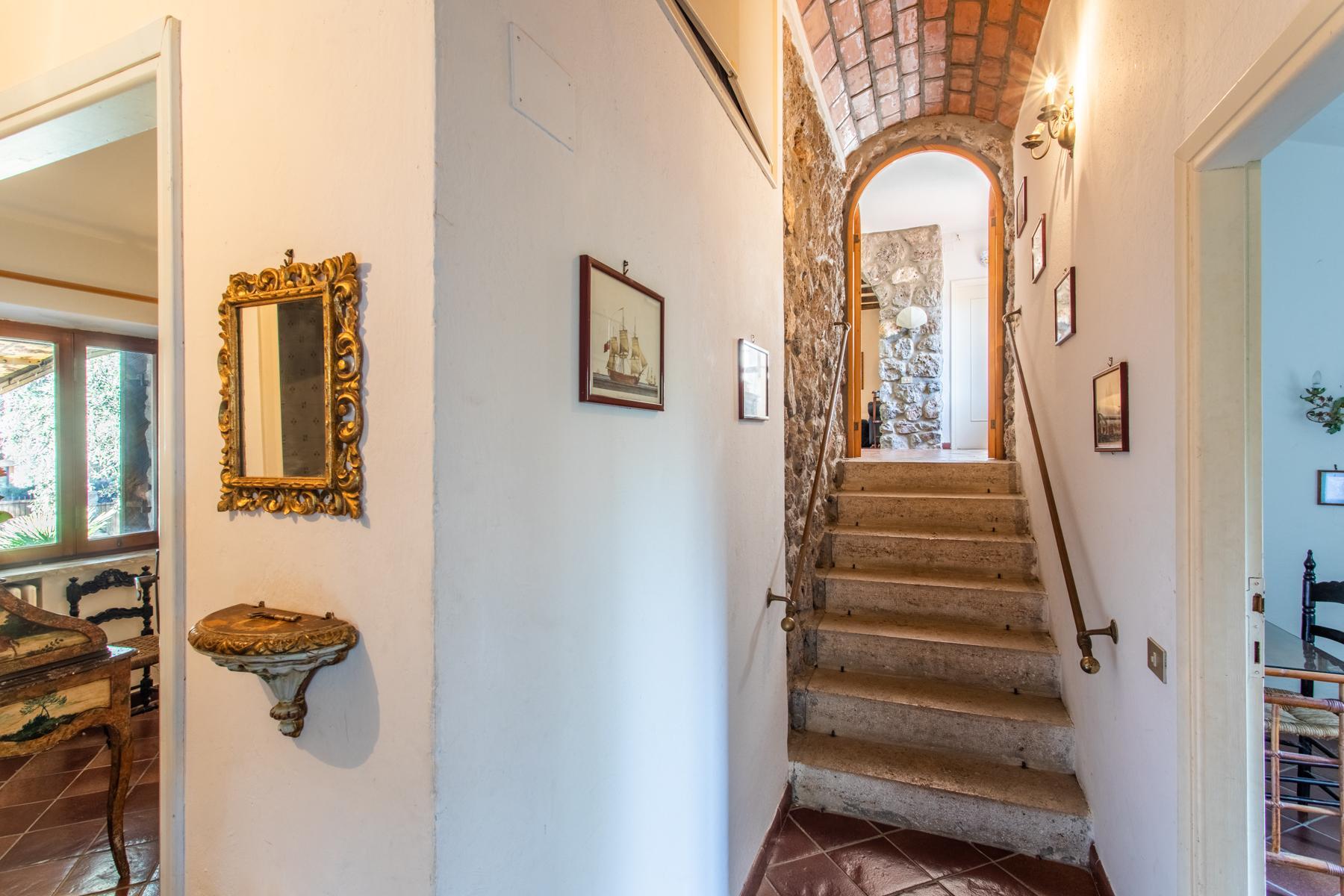 Wundeschöne Villa aus Stein in einzigartiger Umgebung - 15