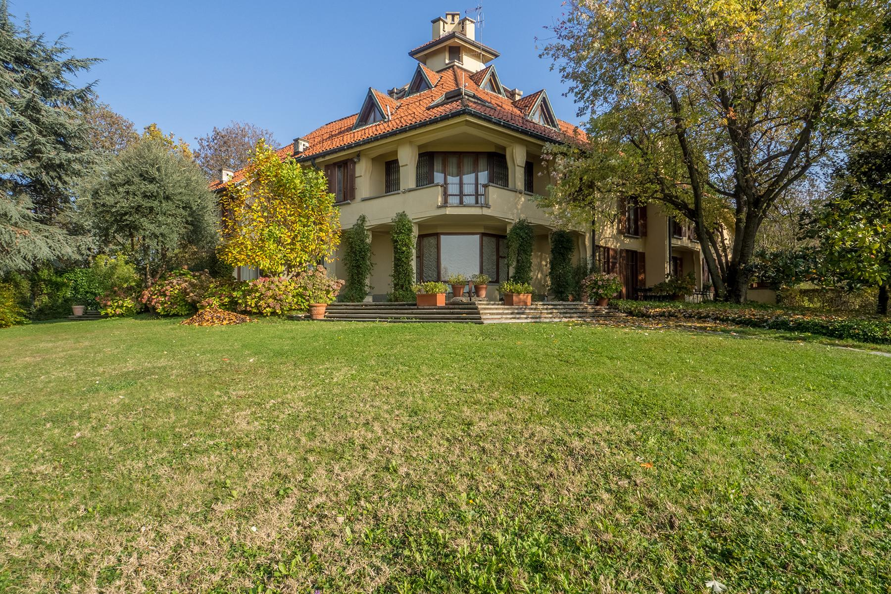 Magnificent villa in the hill of Turin - 1