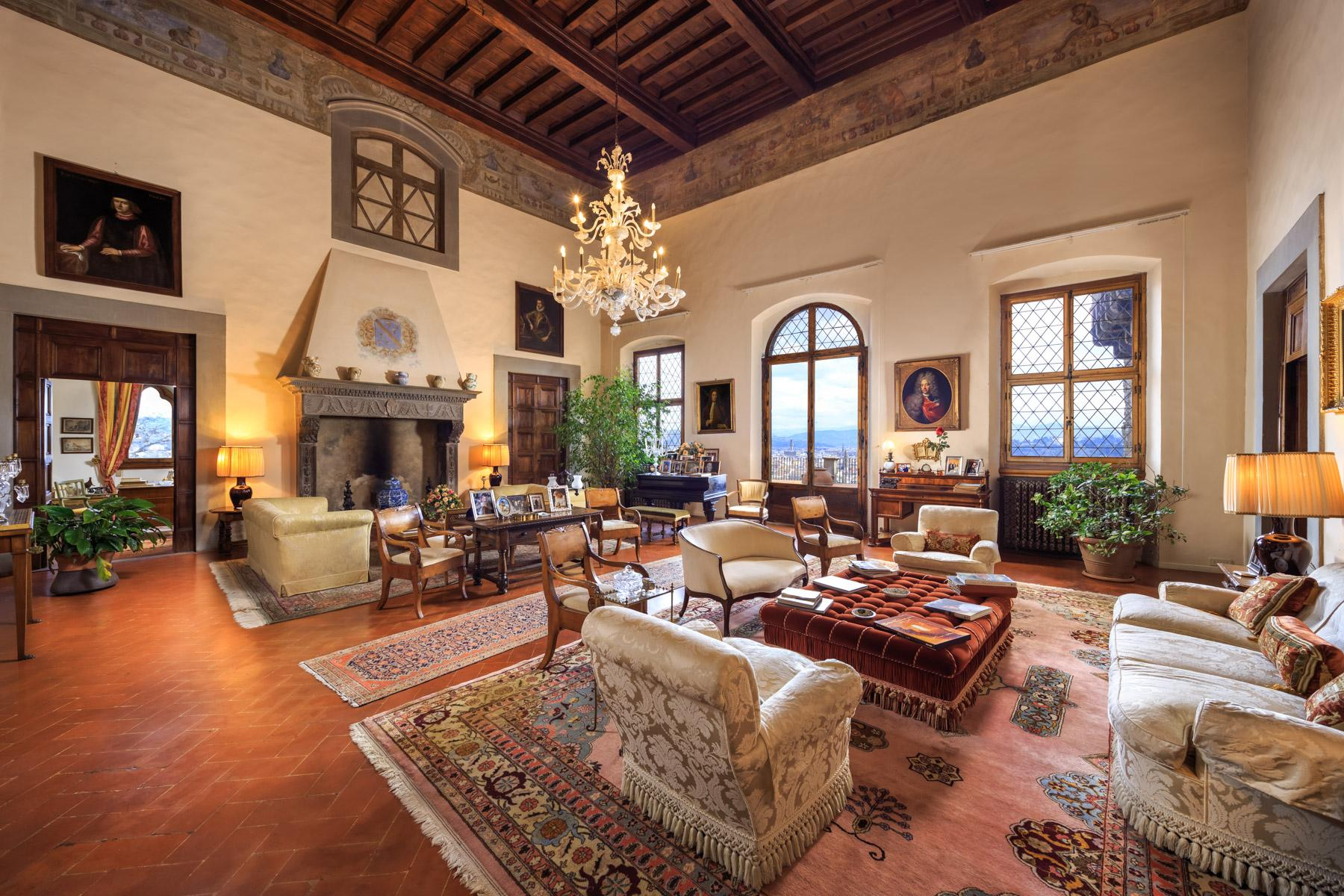 Stunning property with breathtaking views of Florence - 3